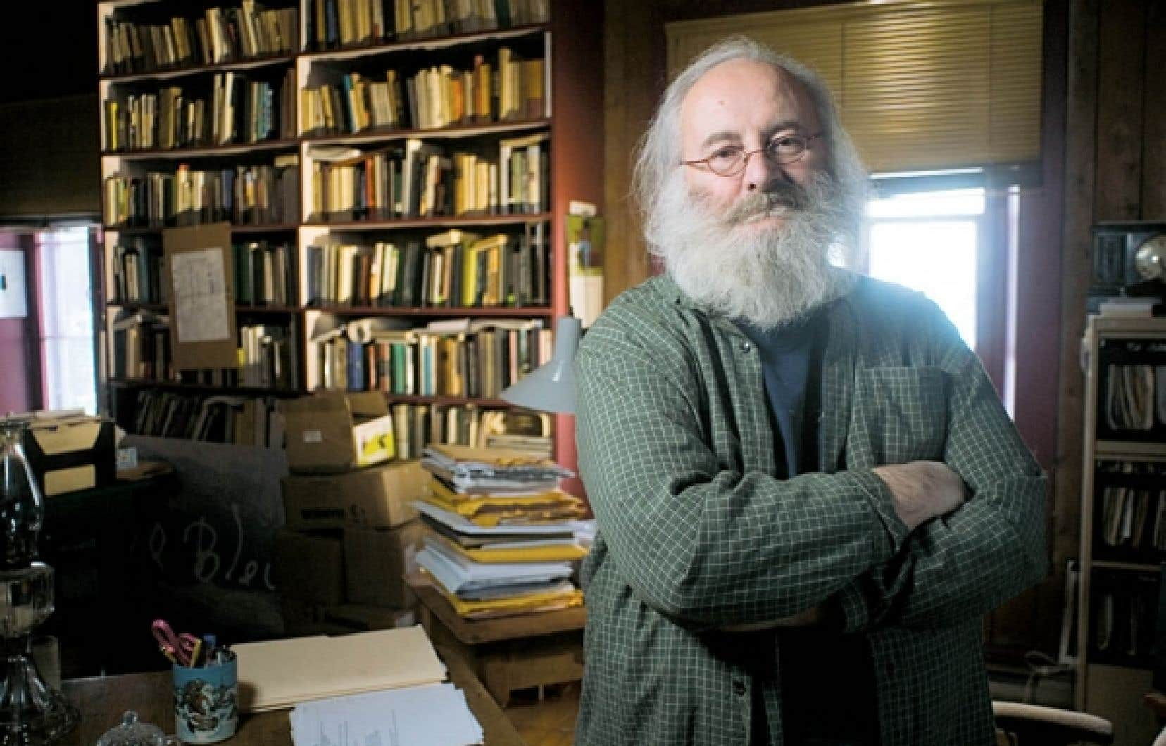 L'écrivain Victor-Lévy Beaulieu est le lauréat du prix Gilles-Corbeil 2011. <br />