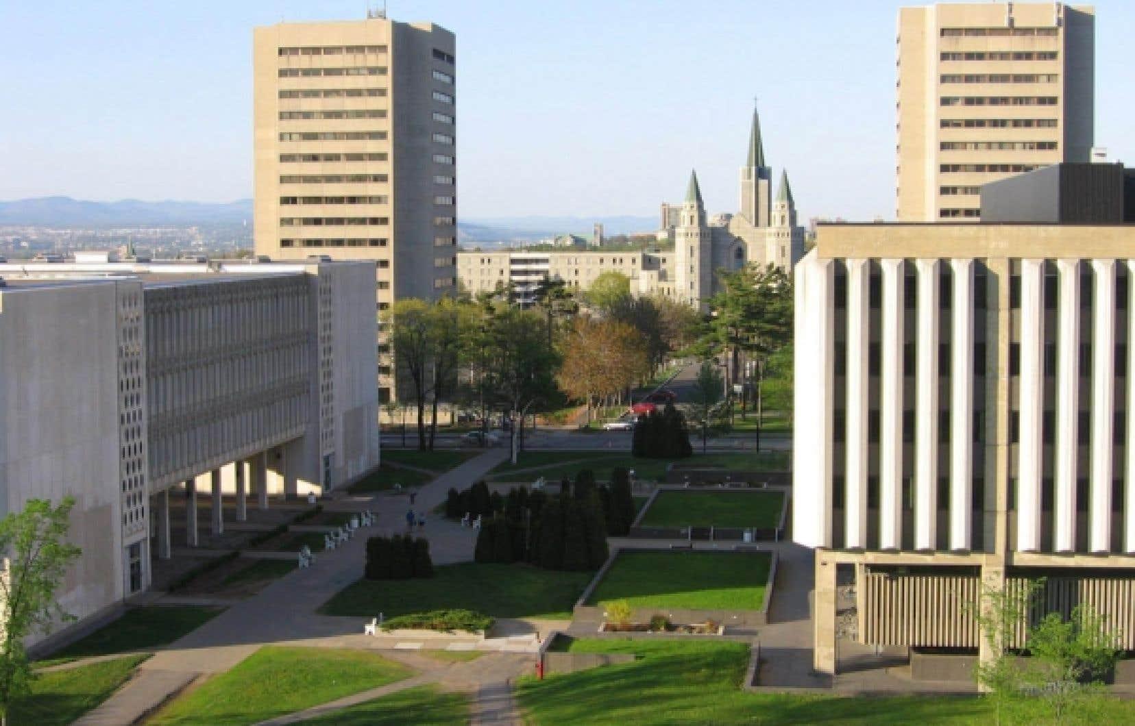 L'Université Laval prône le développement durable dans ses actrions et son enseignement.<br />