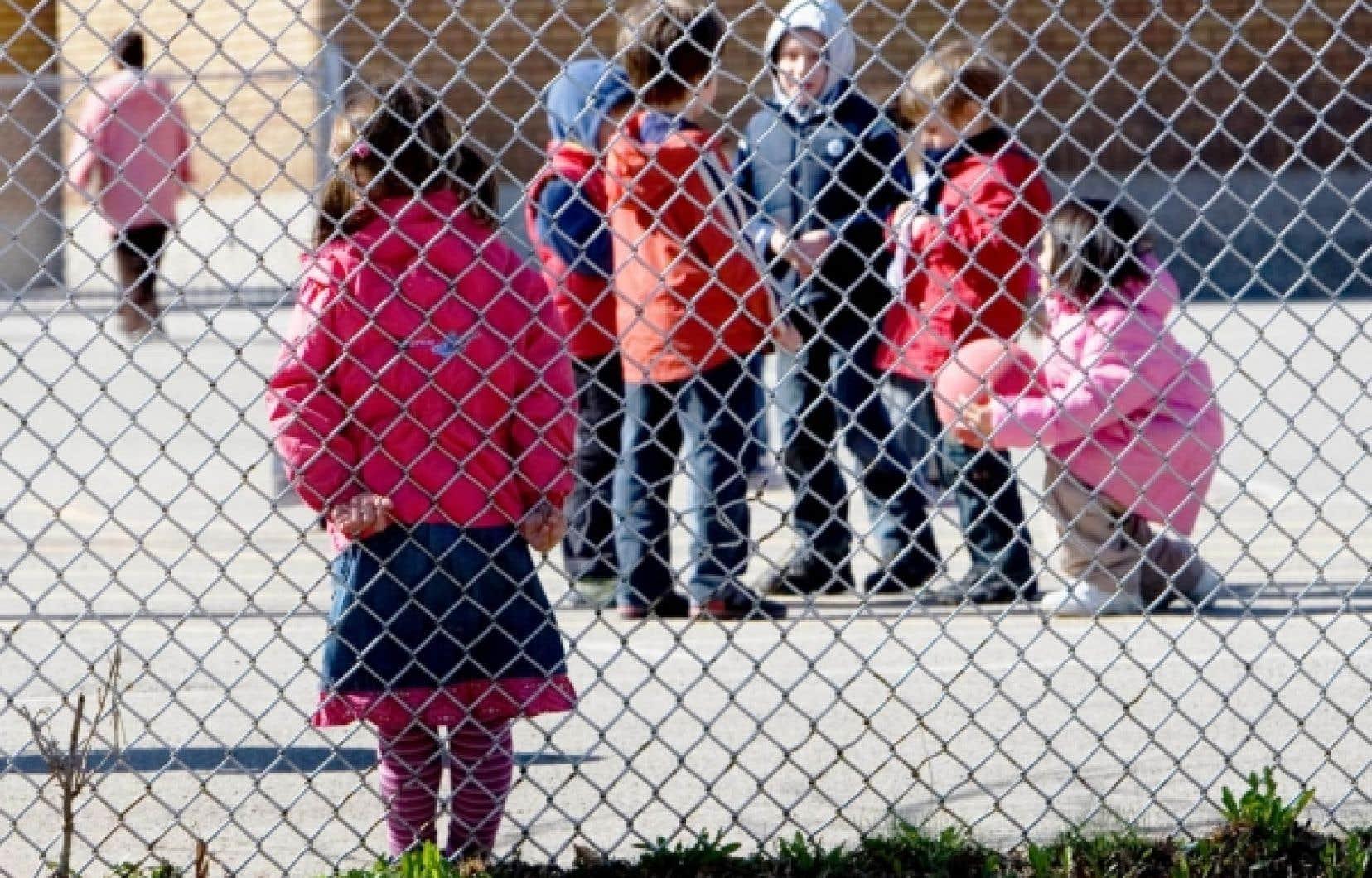 Dans une cour d'école primaire de Montréal. De tous les troubles d'apprentissage, la dyslexie est celui qui est le plus connu.<br />