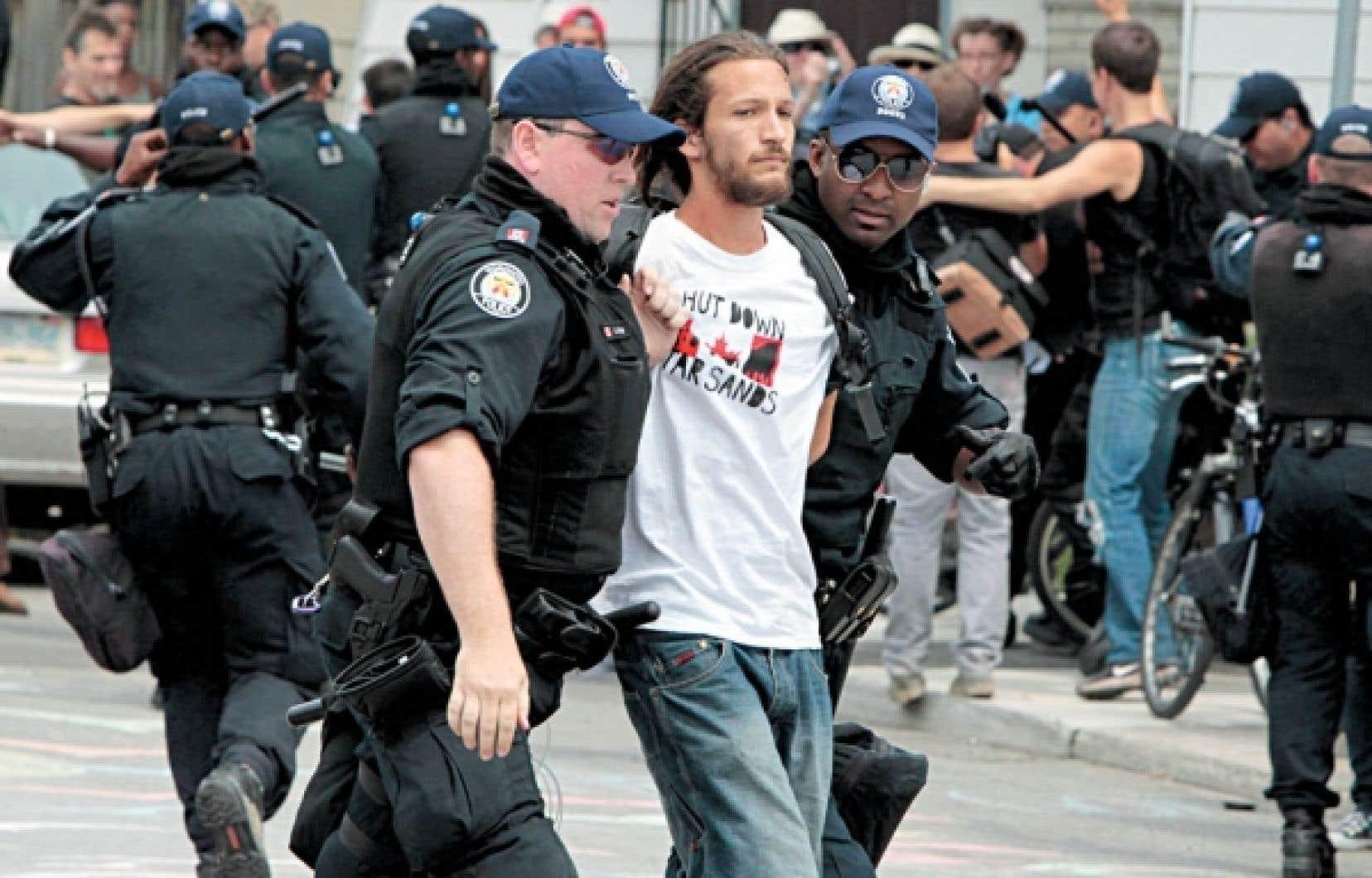 Les militants innocentés ont dû respecter de sévères conditions de remise en liberté.