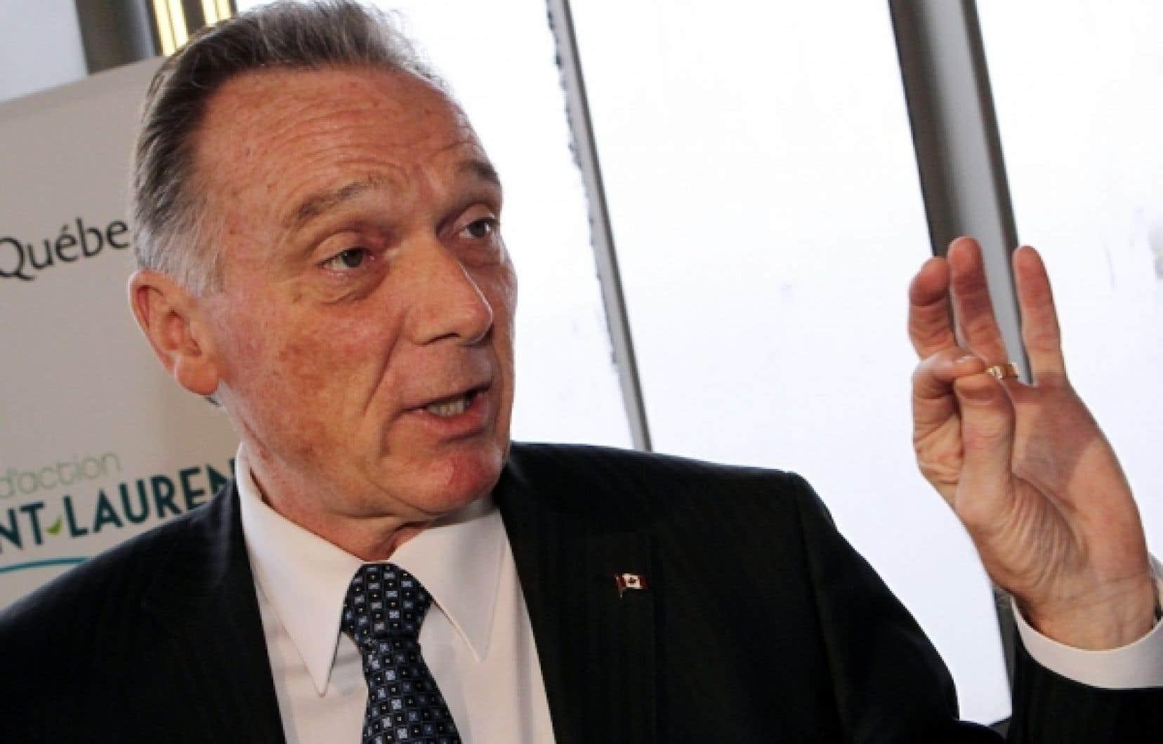 Peter Kent a signalé qu'il suivrait avec attention les propositions mises de l'avant par la délégation chinoise à Durban, mais que cela n'affectera en rien la position canadienne à l'égard de Kyoto.