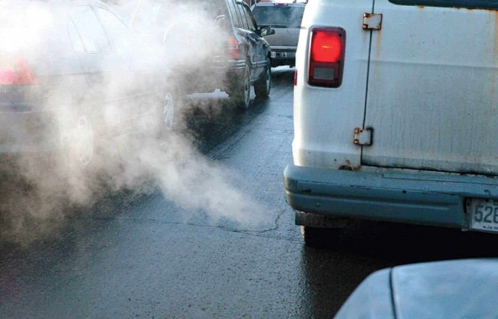 Les premières inspections seront obligatoires pour tous les véhicules âgés de plus de huit ans à compter de 2013.