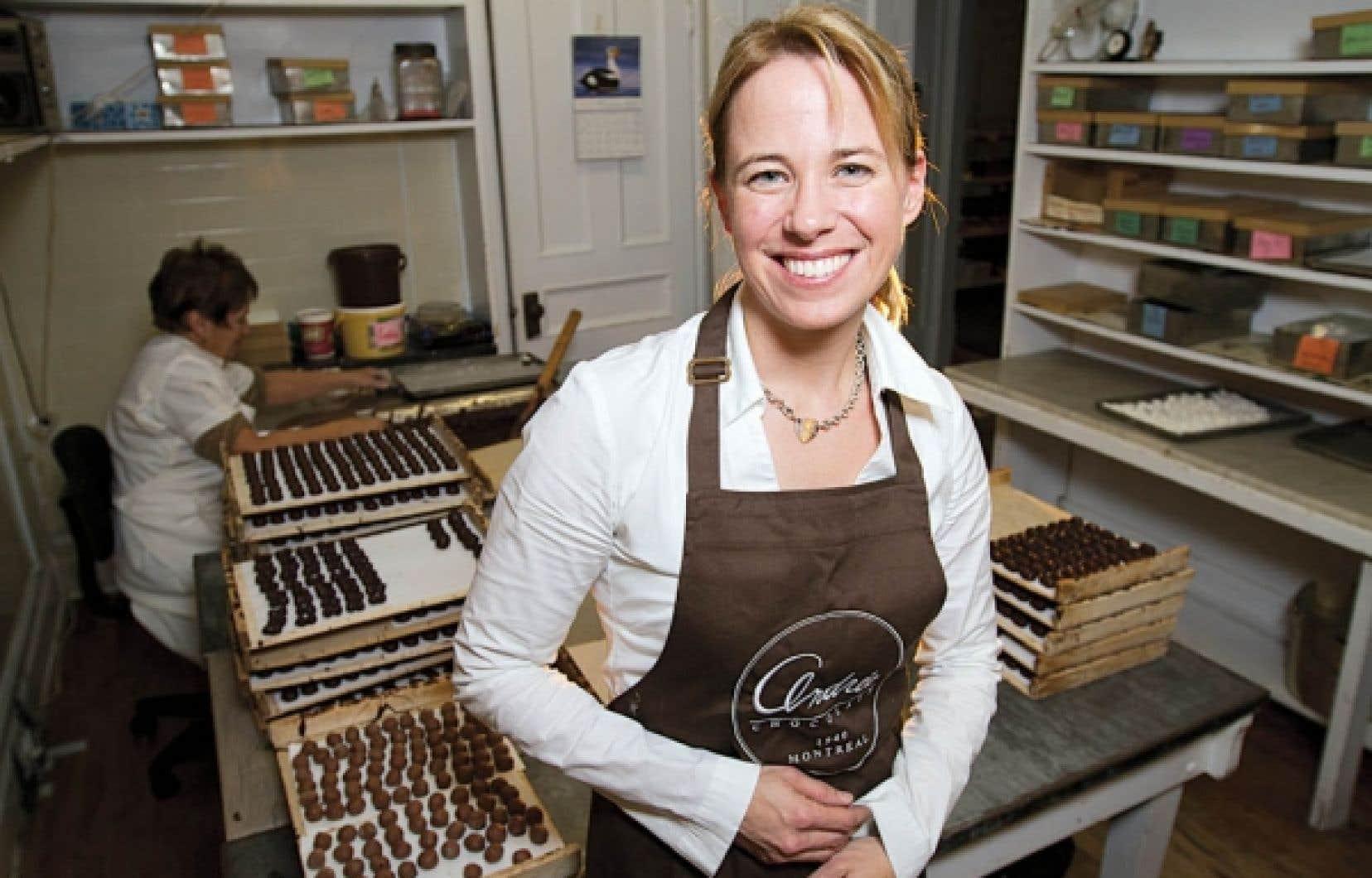 Chocolats Andrée, cela a d'abord été l'histoire des sœurs Madeleine et Juliette. Ce fut ensuite celle de la fille de Madeleine, Nicole. Aujourd'hui, une troisième génération est à la barre de l'entreprise: Stéphanie Saint-Denis.