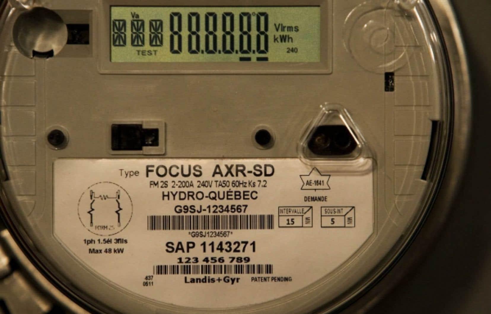 Hydro-Québec compte installer 3,7 millions de nouveaux compteurs entre 2012 et 2017 au coût de 100 millions pour épargner 300 millions en 20 ans si, d'ici là, aucune poursuite ne modifie ses prévisions.