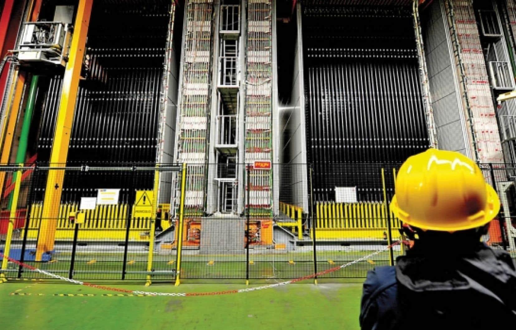 Le détecteur de neutrinos du Laboratoire de Gran Sasso, en Italie. L'engin de 1800 tonnes a capté le faisceau de neutrinos en provenance du CERN circulant à une vitesse supérieure à celle de la lumière.<br />