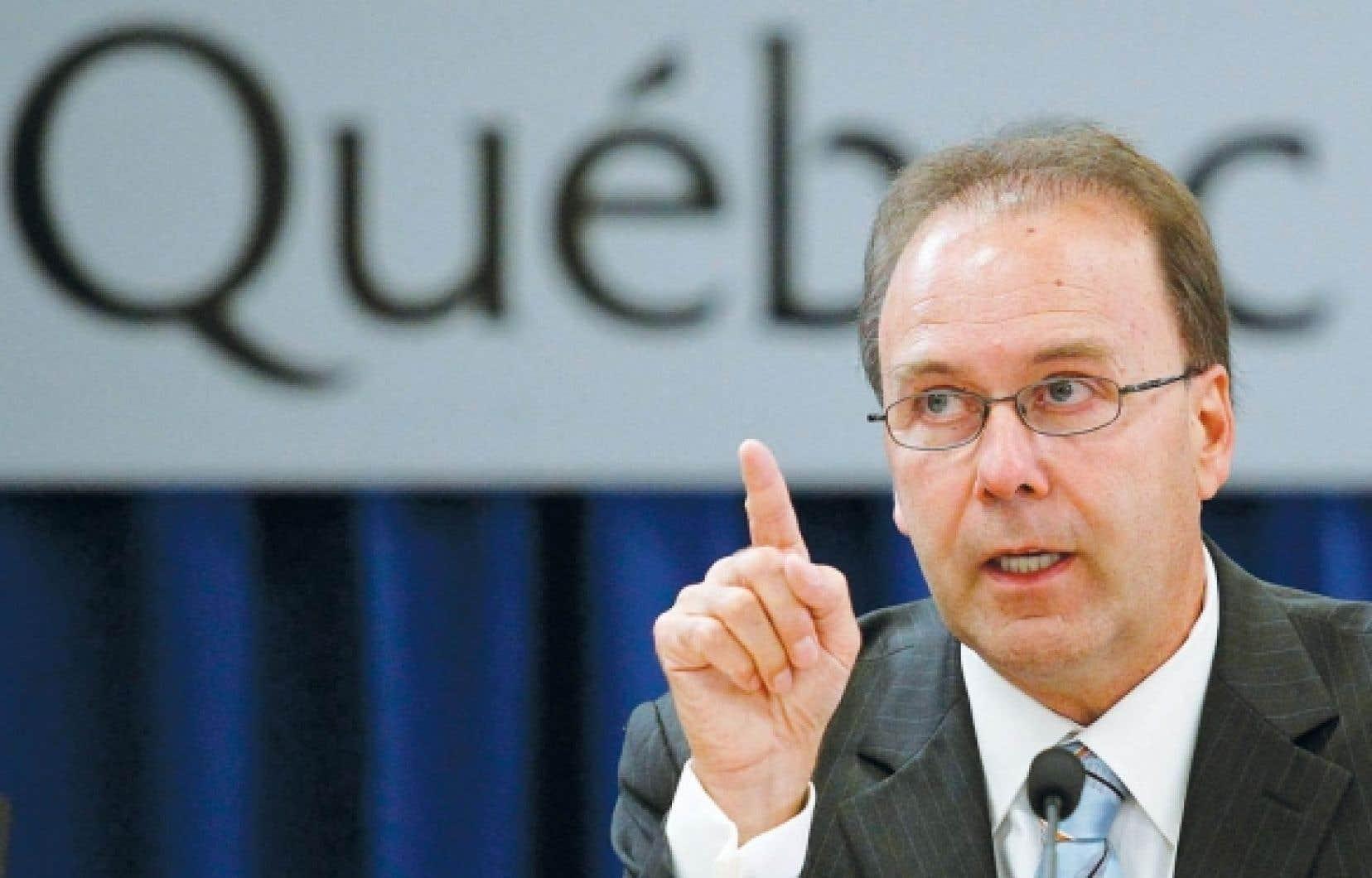 Marc Bellemare a été ministre de la Justice sous Jean Charest d'avril 2003 à avril 2004.<br />