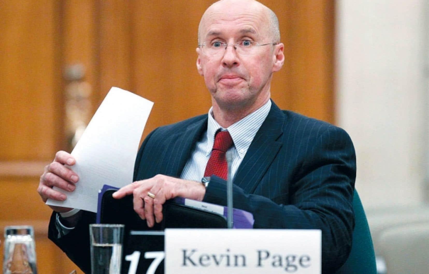 Kevin Page n'a pas l'habitude de chanter les louanges du gouvernement. Cette fois, le directeur parlementaire du budget dit avoir constaté qu'Ottawa se voit récompensé dans ses efforts pour contrôler ses dépenses.<br />