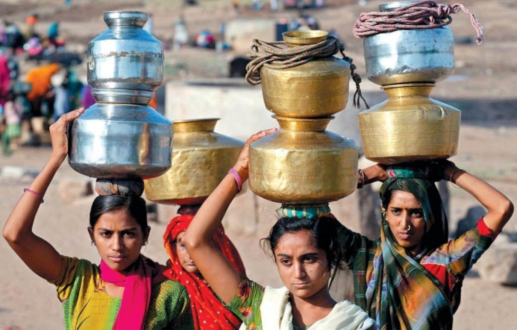 La discrimination envers les filles est incrustée dans la tradition de certaines sociétés, dont l'Inde.