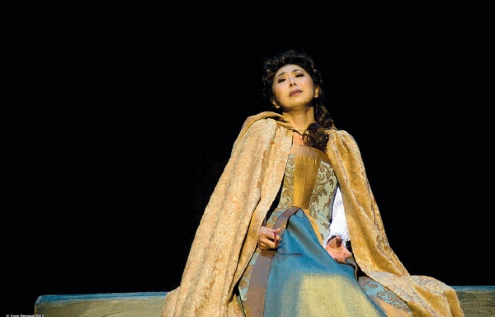 Hiromi Omura dans le r&ocirc;le de Leonora, dans Le Trouv&egrave;re &agrave; l&rsquo;Op&eacute;ra de Montr&eacute;al<br />