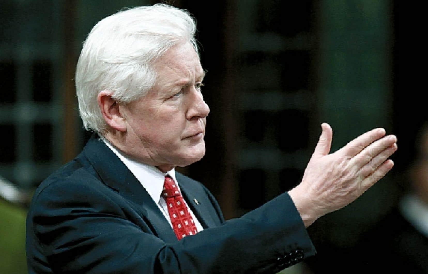 Le chef libéral par intérim, Bob Rae, estime que les provinces devraient être consultées advenant une réforme du programme fédéral de la Sécurité de la vieillesse.