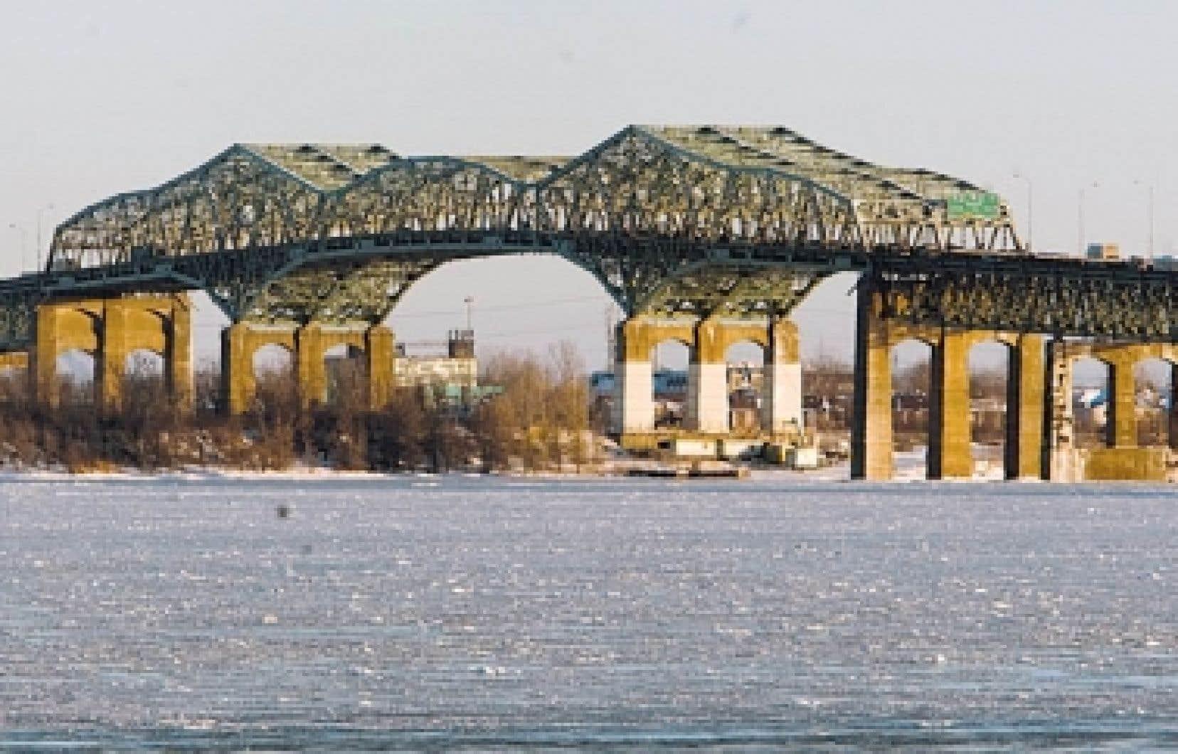 Il faut réfléchir aux objectifs des travaux de remplacement du pont Champlain dans un cadre qui dépasse la simple traversée du fleuve, mais qui positionne le pont au sein d'un système de transport.