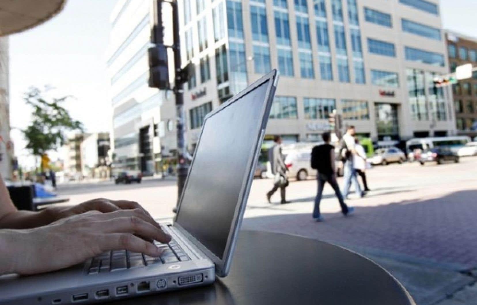 Le gouvernement affirme que l'objectif principal du projet de loi vise à protéger les enfants des criminels qui les traquent sur Internet.