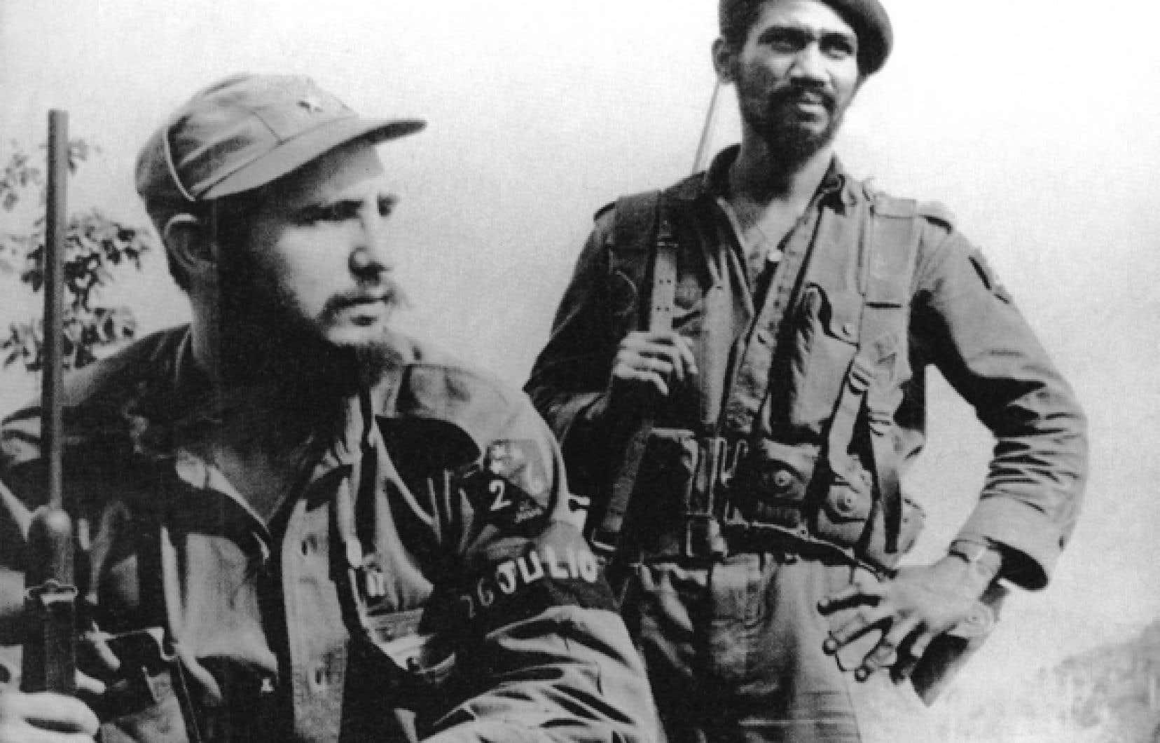 Fidel Castro et le commandant Juan Almeida Bosque<br />