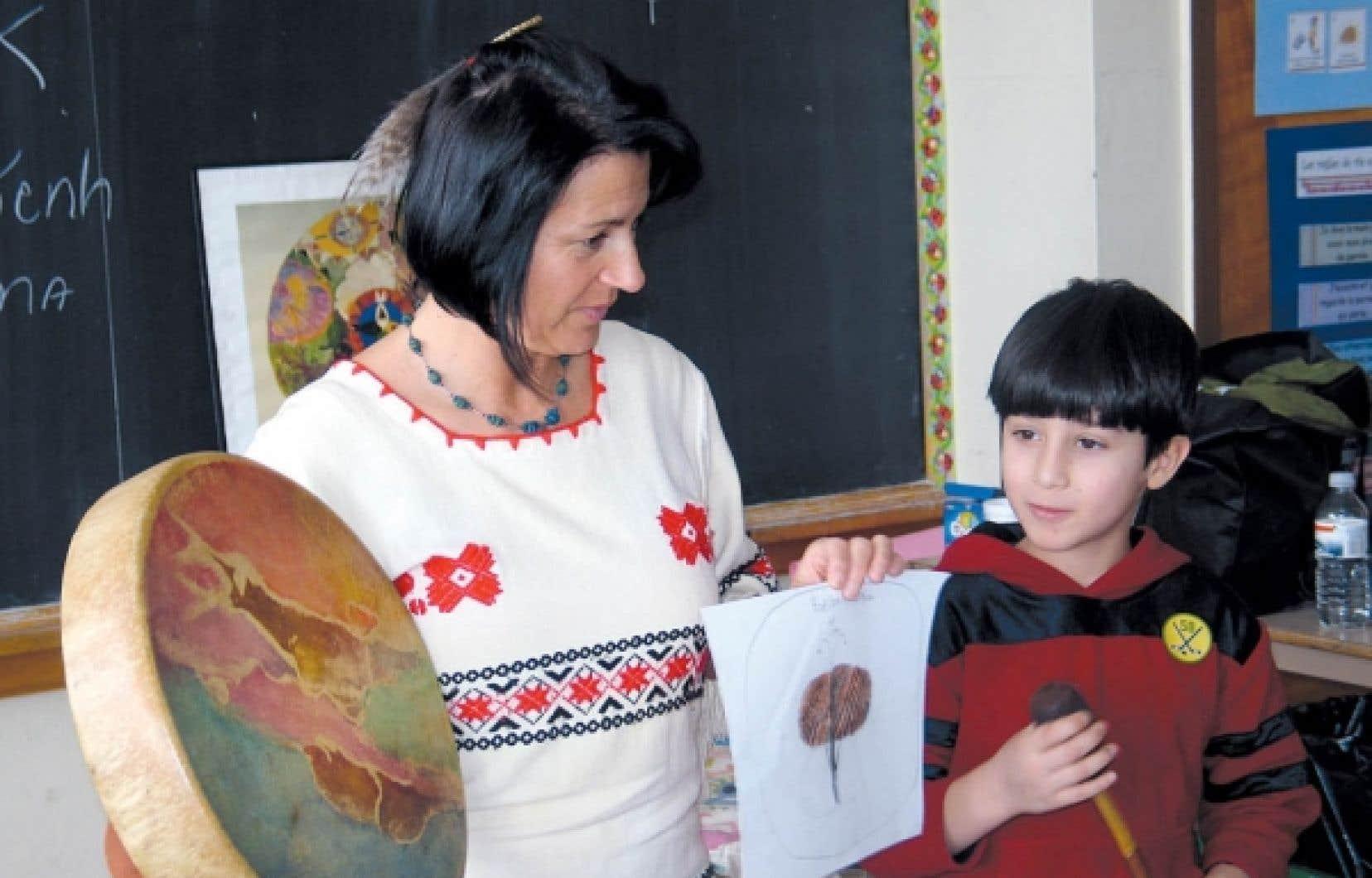 Au Mus&eacute;e de Lachine, Dolor&egrave;s Contr&eacute; a pour objectif d&rsquo;initier les enfants aux modes de vie traditionnels&nbsp; des Iroquoiens et des Algonquiens.<br />