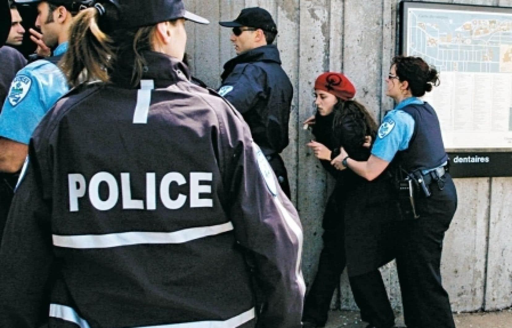 Policier au travail