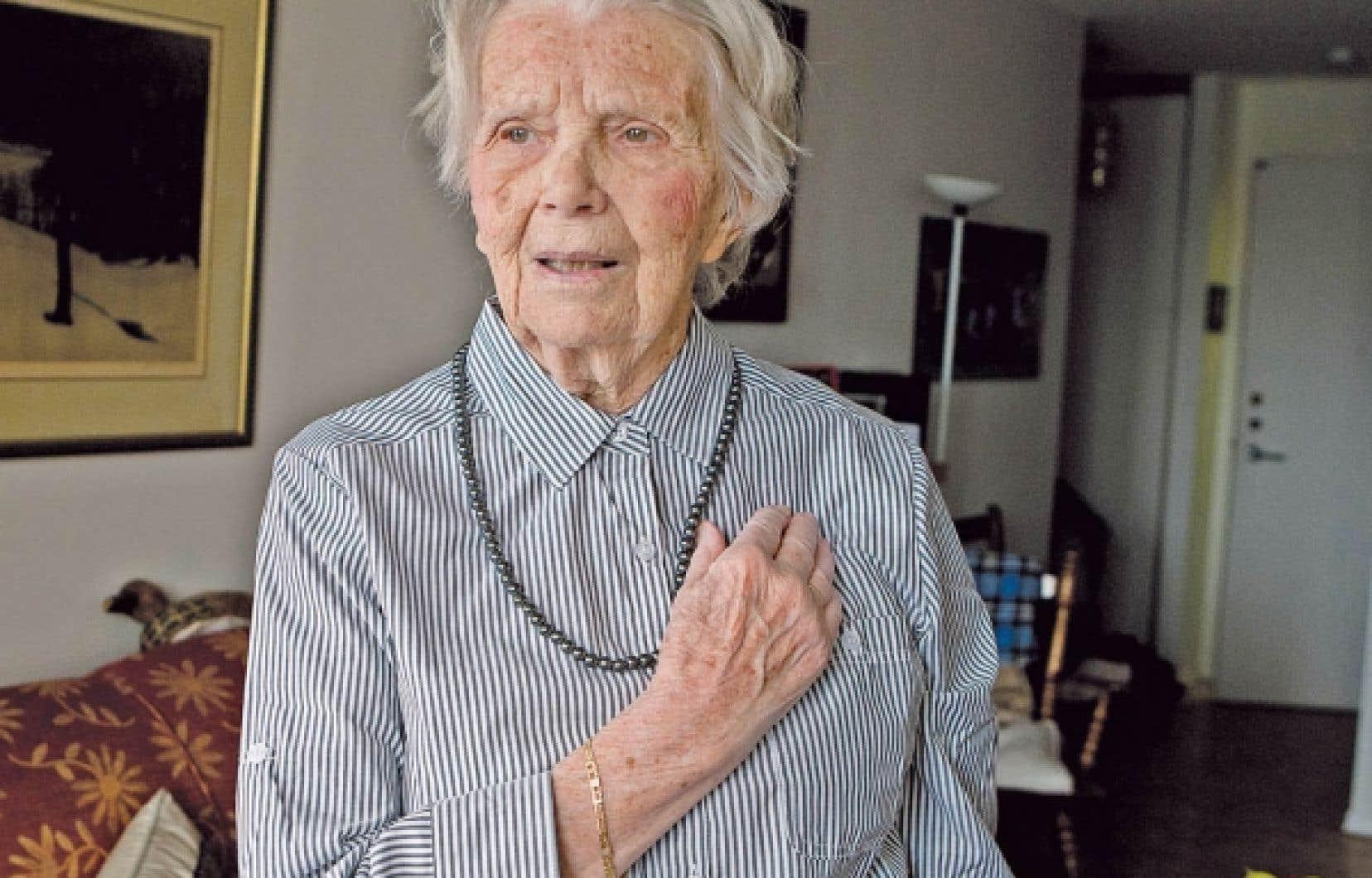 Une vie d'aventures à la dure, 12 enfants sur trois continents et aucun 8 mars à l'horizon, Monique Cardyn n'a pas chômé durant ses 90 années d'existence.<br />