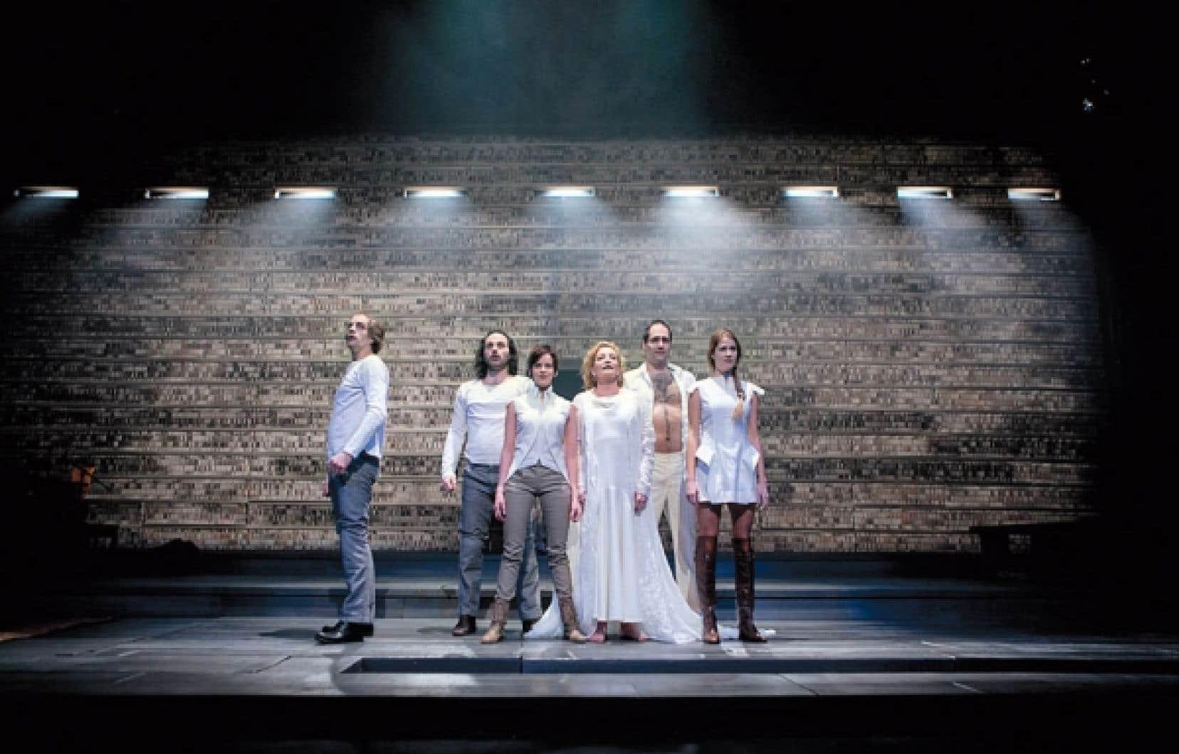 Lorraine Pintal signe la mise en scène, Jocaste reine, pièce présentée en première nord-américaine à la Bordée.