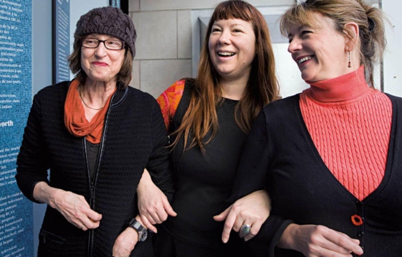 Le groupe Réalisatrices équitables célèbre le 40e anniversaire de La vie rêvée, de Mireille Dansereau (à gauche), qui était hier en compagnie d'Isabelle Hayeur et de Marquise Lepage.