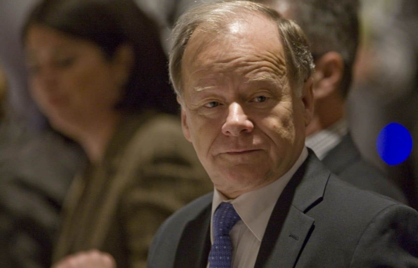 Raymond Bachand a donné l'assurance qu'il n'avait pas l'intention d'alourdir encore le fardeau fiscal des Québécois.