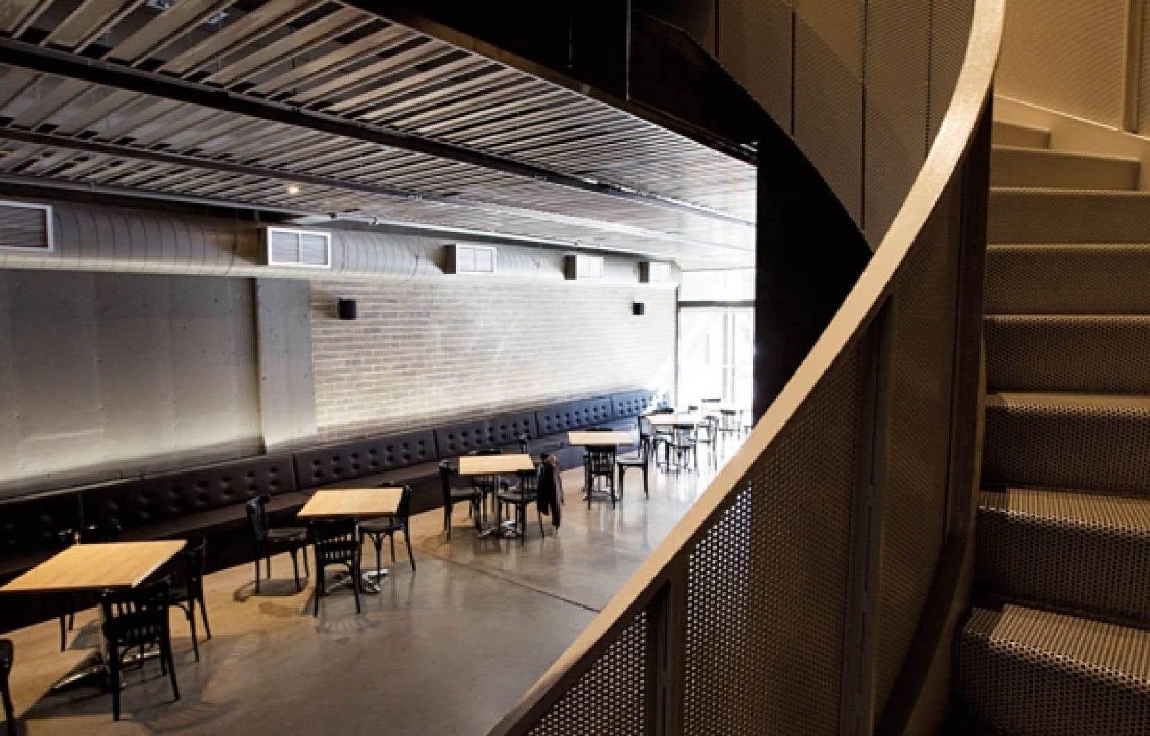 Le théâtre La Licorne à Montréal a pu s'offrir une cure de rajeunissement au coût de cinq millions de dollars.<br />