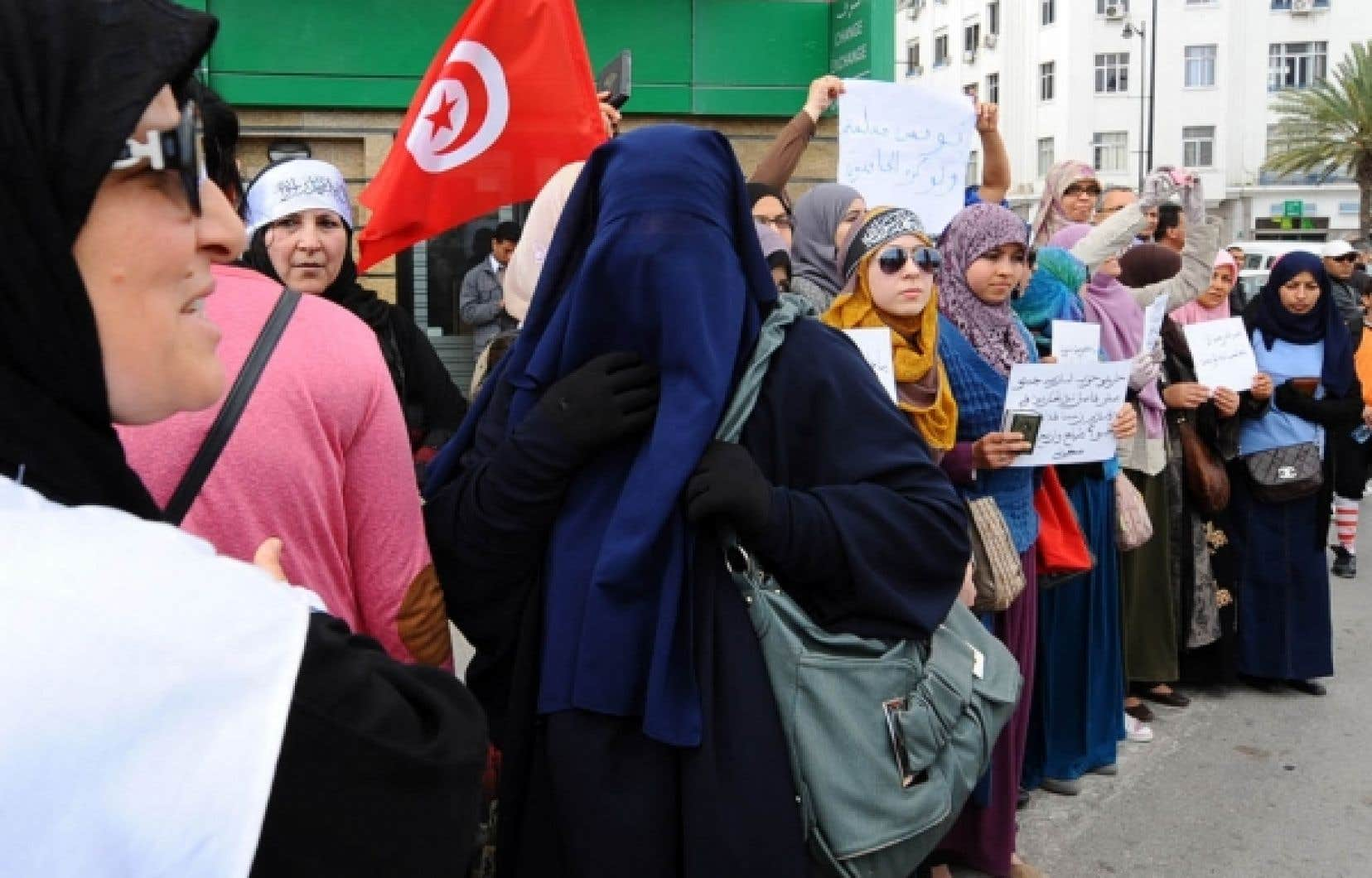 Les salafistes tunisiens ont tenu une série de manifestations pour faire pression sur Ennahda.<br />