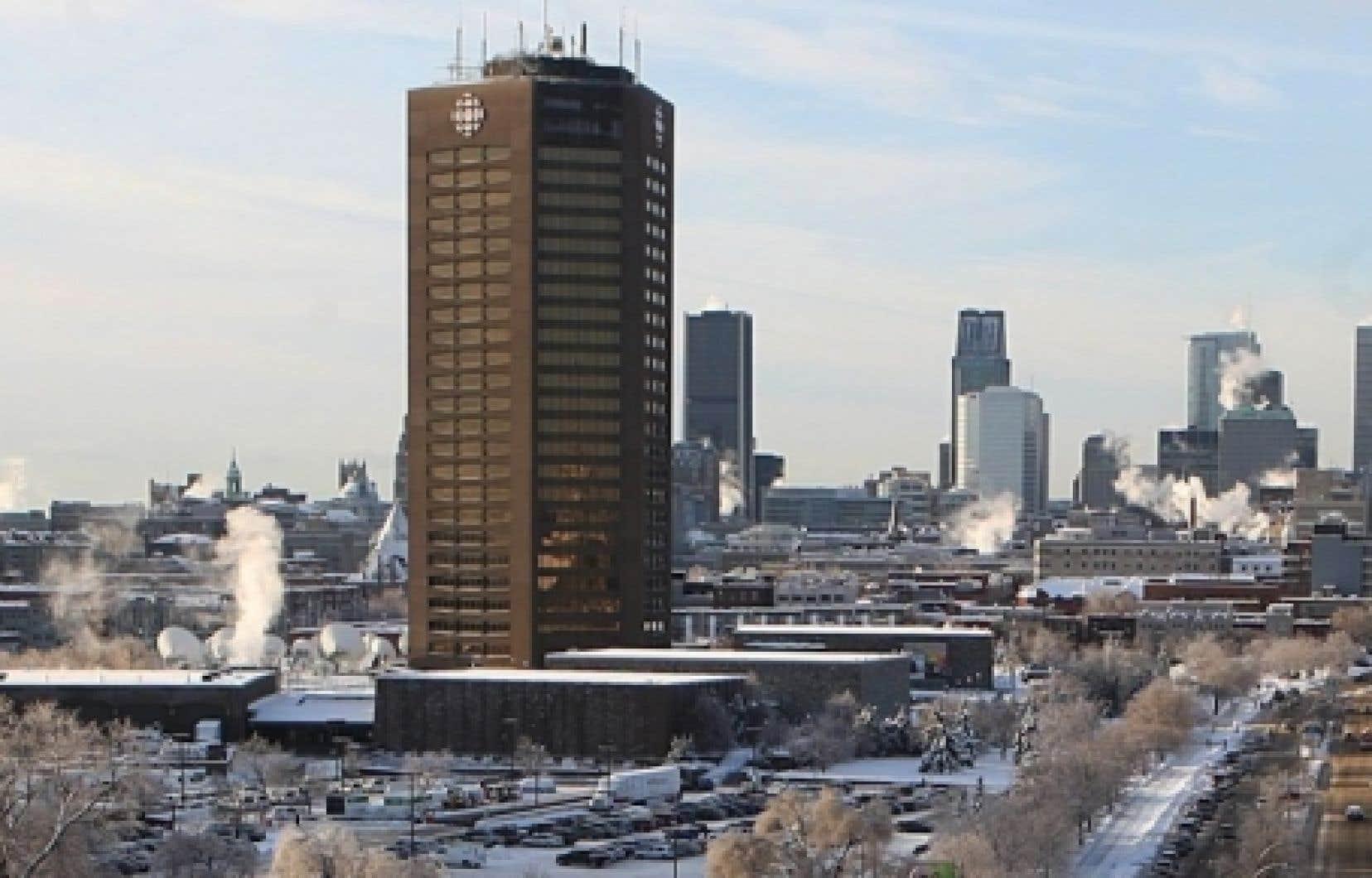 Entre 700 et 800 suppressions d'emploi sont à prévoir à Radio-Canada en raison des nouvelles compressions budgétaires.