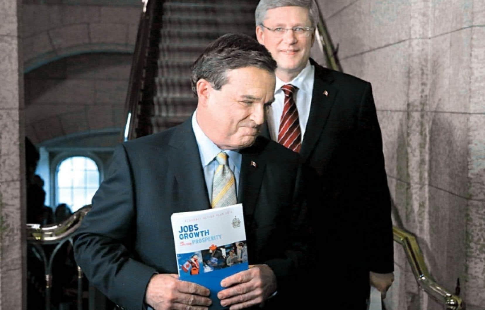«Les réductions de dépenses sont modérées. Elles sont loin de celles de la Grande-Bretagne, qui représentent environ de 4% de son PIB, ou encore de ce que Paul Martin et Jean Chrétien ont fait dans les années 1990», a dit hier le ministre des Finances, Jim Flaherty.