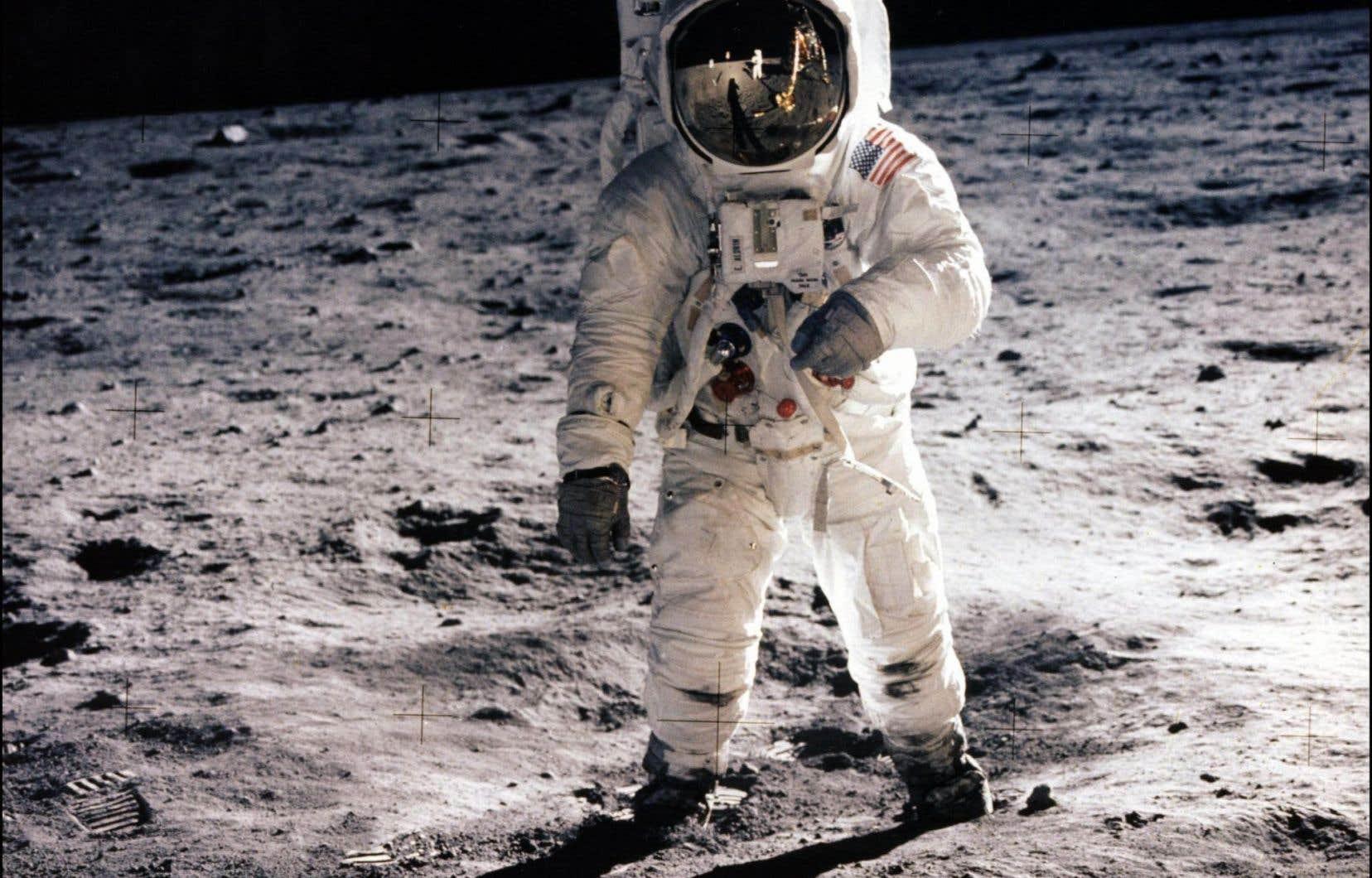 Buzz Aldrin photographié par Neil Armstrong avec une caméra 70mm