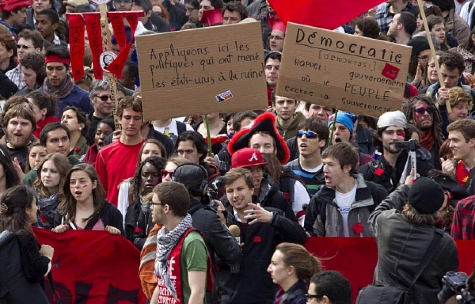 Les organisateurs de la manifestation «Pour un printemps québécois» estiment qu'ils étaient environ 30 000 au plus fort de la marche, qui s'est déroulée dans une ambiance bon enfant.