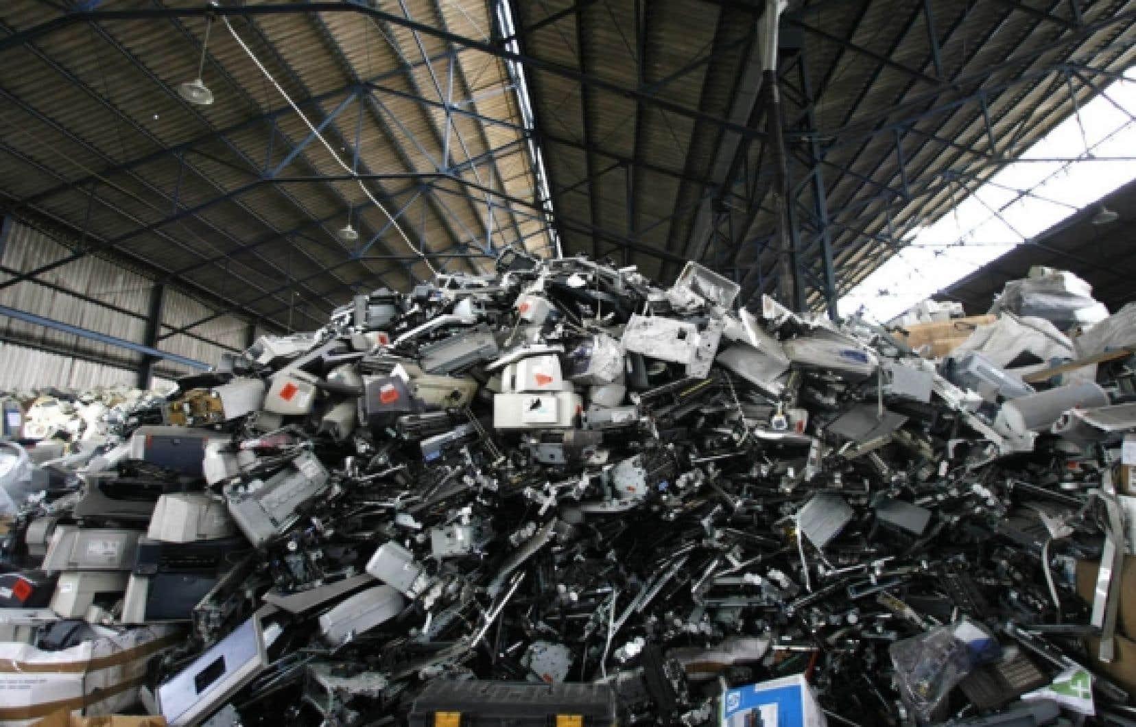 <div> La récupération des vieux ordinateurs se fera à compter du14 juillet prochain.</div>
