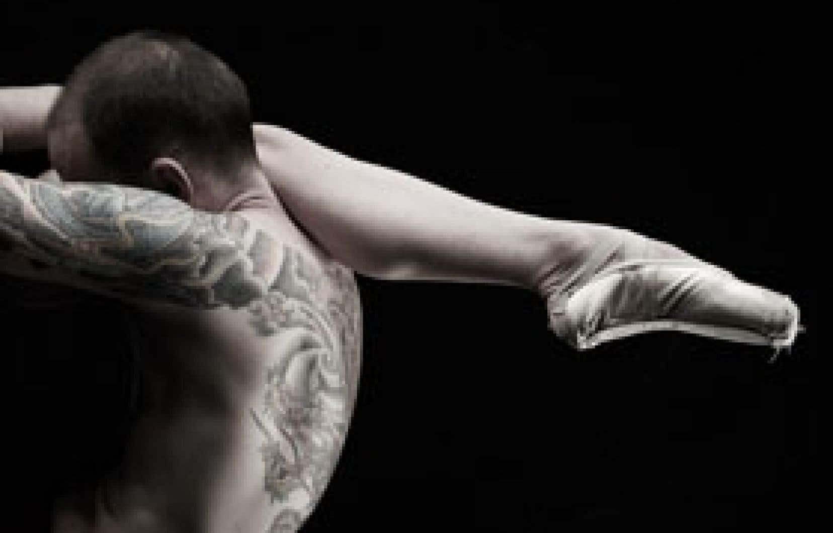 Les danseurs Suzan Paulson et Pierre Lecours dans Suites cruelles, le diable est dans les détails, de la chorégraphe Hélène Blackburn. Photo: Leda & St-Jacques
