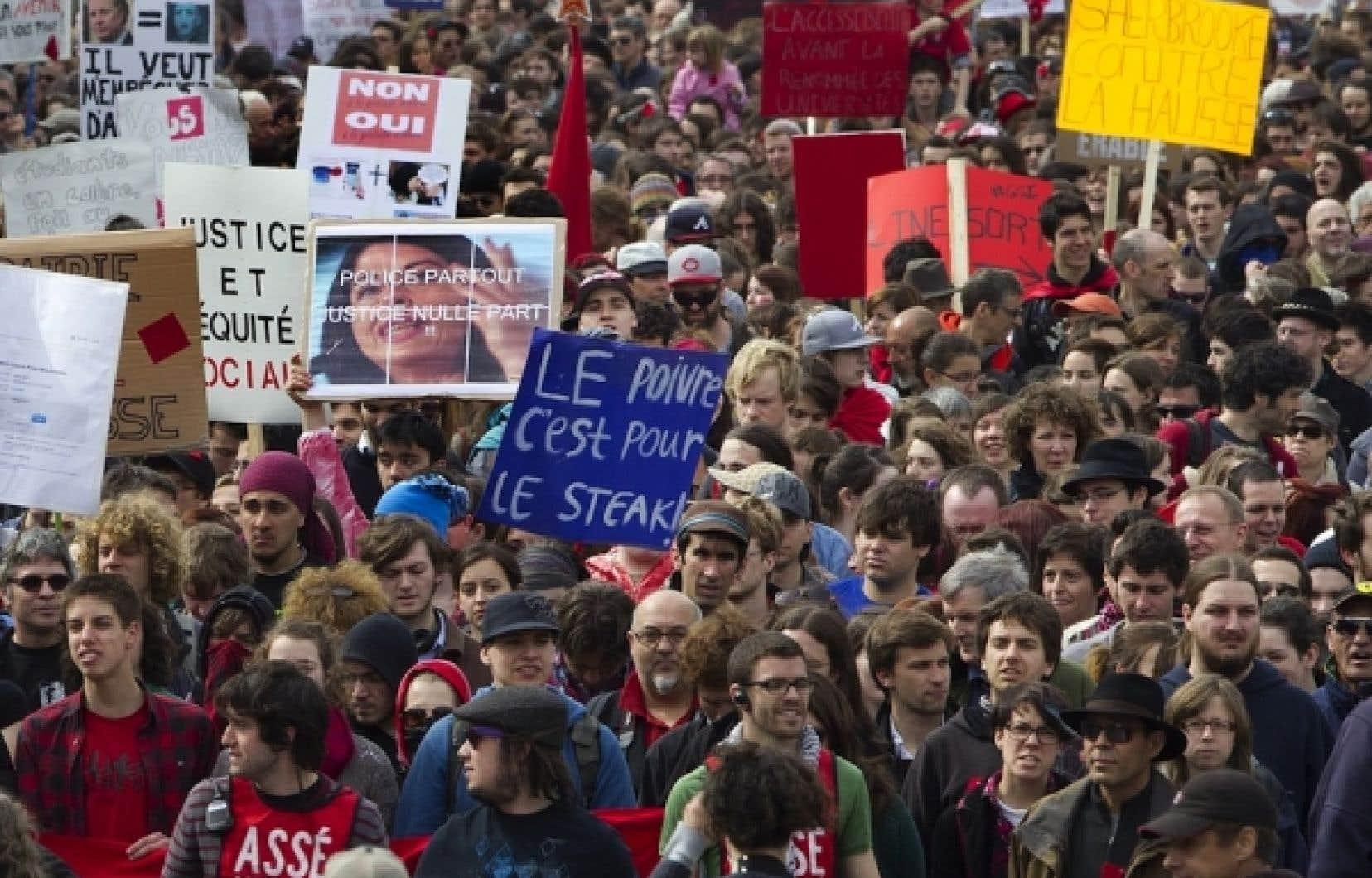 Des étudiants dans les rues de Montréal, la semaine dernière.