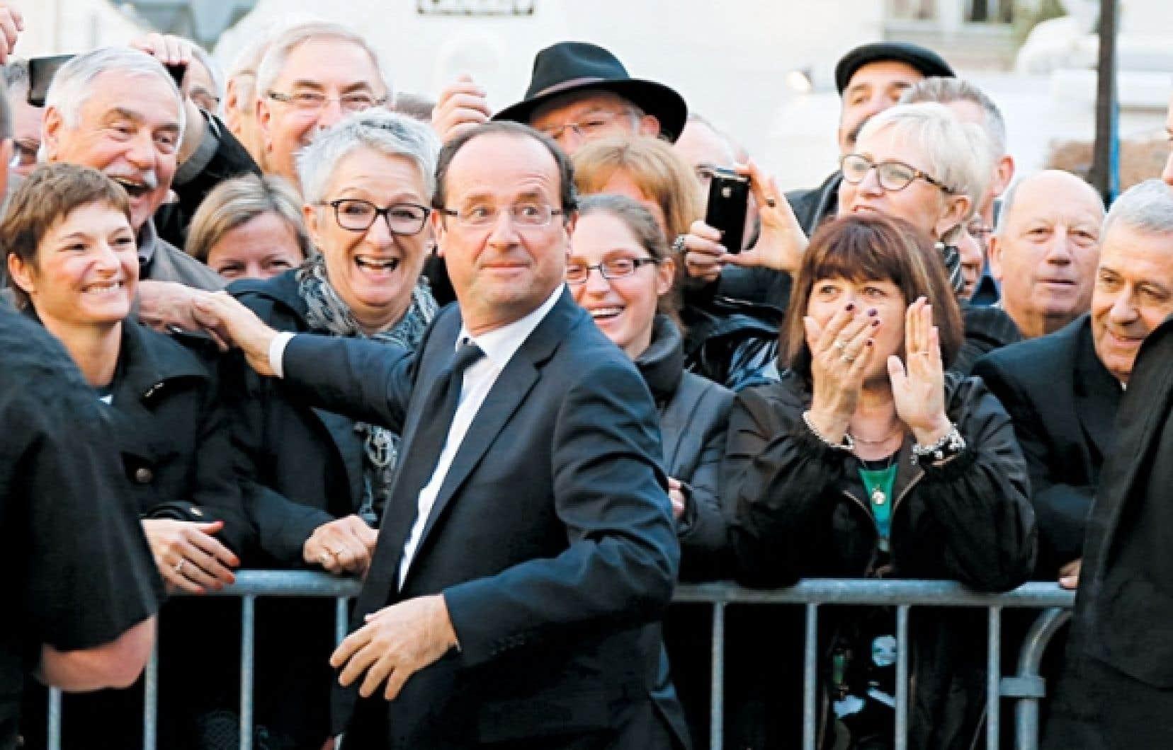 <div> Le candidat socialiste François Hollande est allé à la rencontre des électeurs à Périgueux.</div>