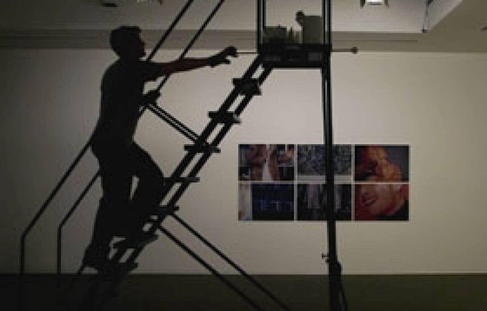 L'exposition EntreVoir en montage... En arrière-plan: Conversation About A Painting, Michel Archambault, 1996, une série de six épreuves couleur digitalisées.
