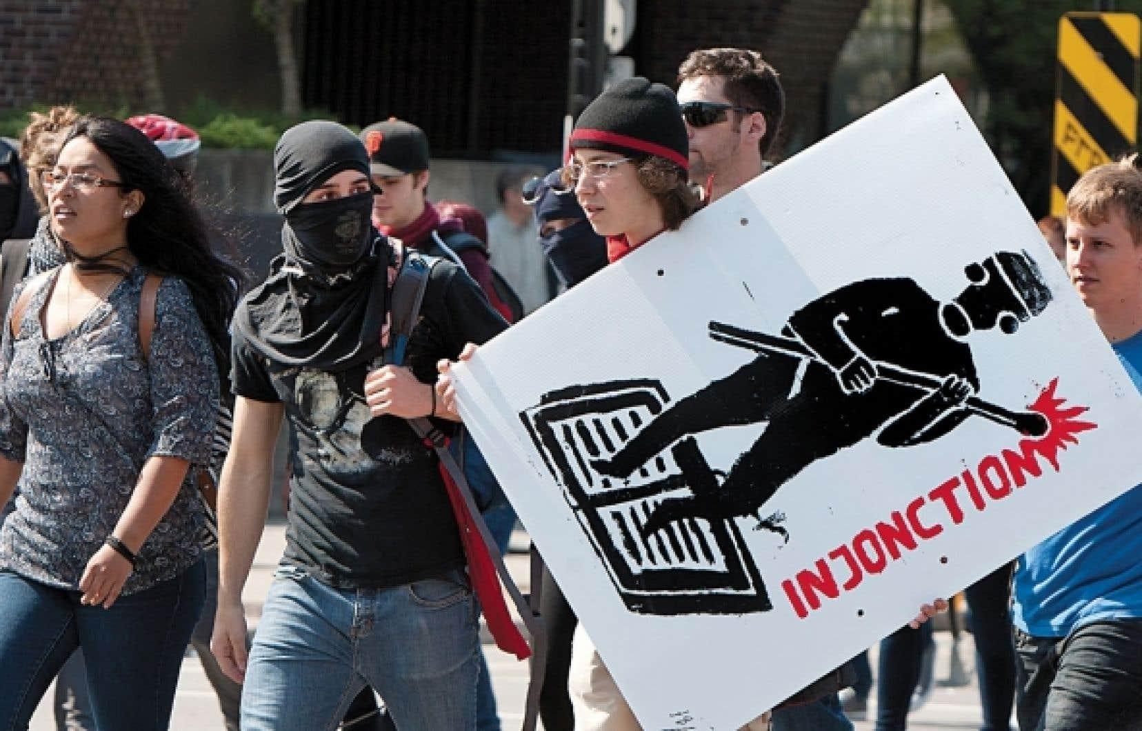 La protection de la liberté des étudiants d'accéder à leurs cours a d'abord été cautionnée par des injonctions. Devant leur insuccès, la loi d'exception 78 a pris le relais avec des amendes salées pour tous ceux qui entraveraient la liberté d'éducation.