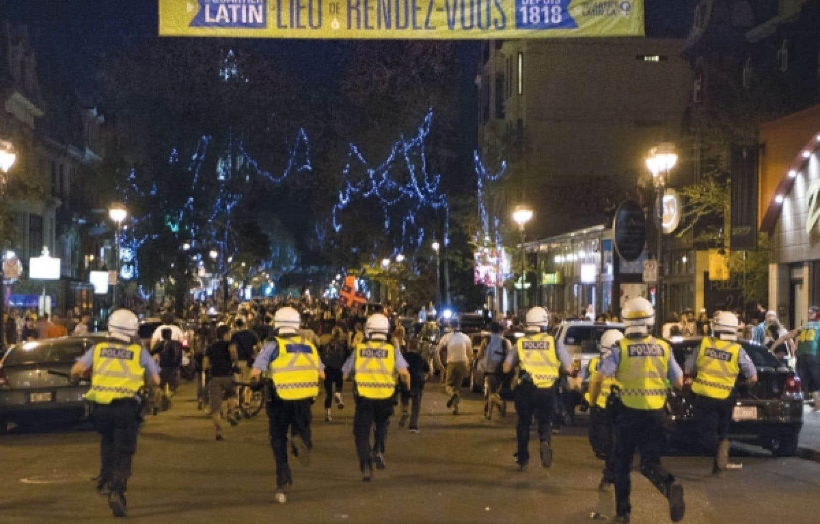 Les images de manifestations qui dégénèrent, comme celles des derniers jours, font le tour du monde et nuisent à l'image du Québec à l'international, déplore le Parti québécois.