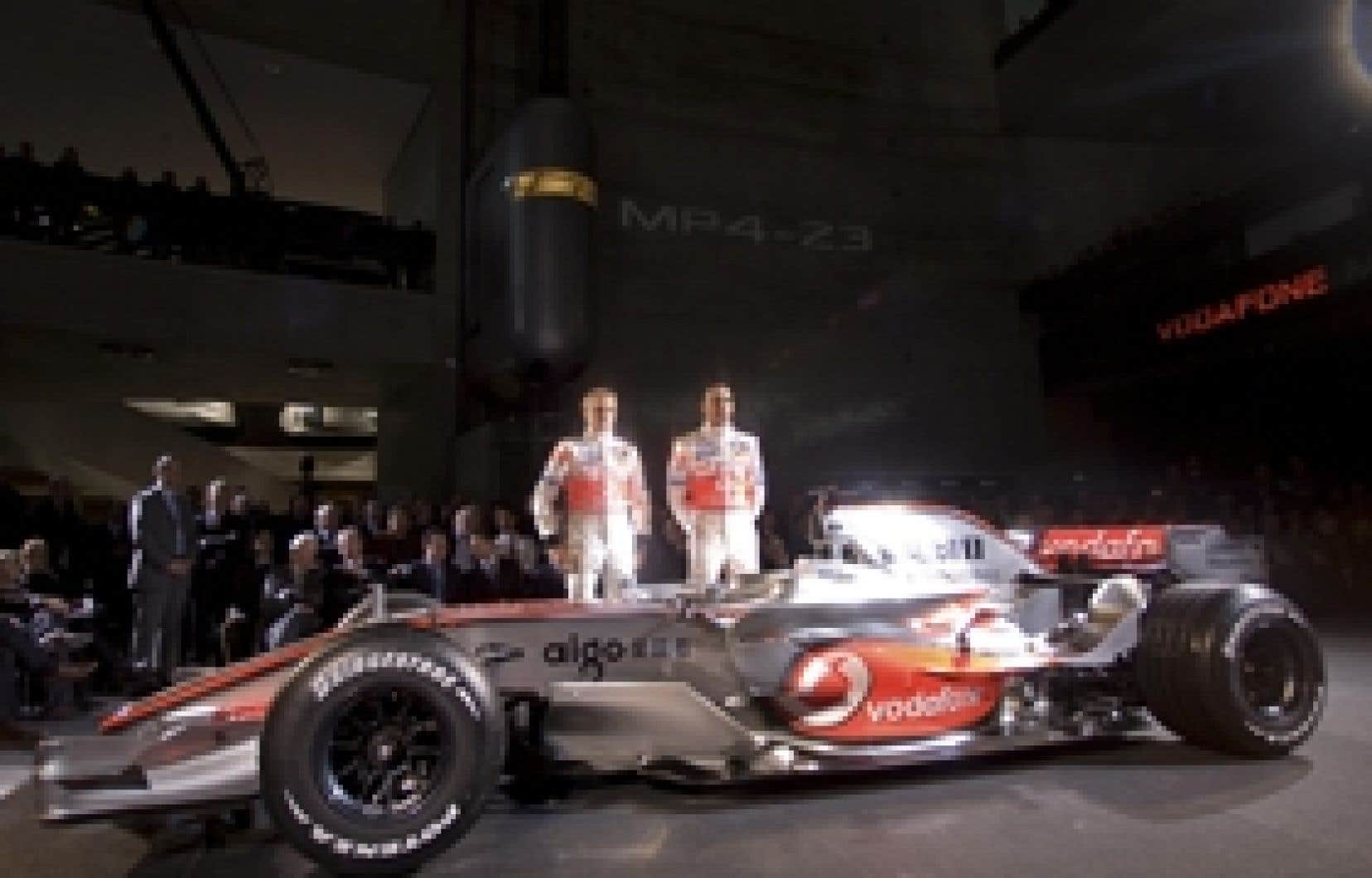 Formule 1 l 39 curie mclaren mercedes d voile sa nouvelle - Voitures de sport la nouvelle gt de mclaren ...