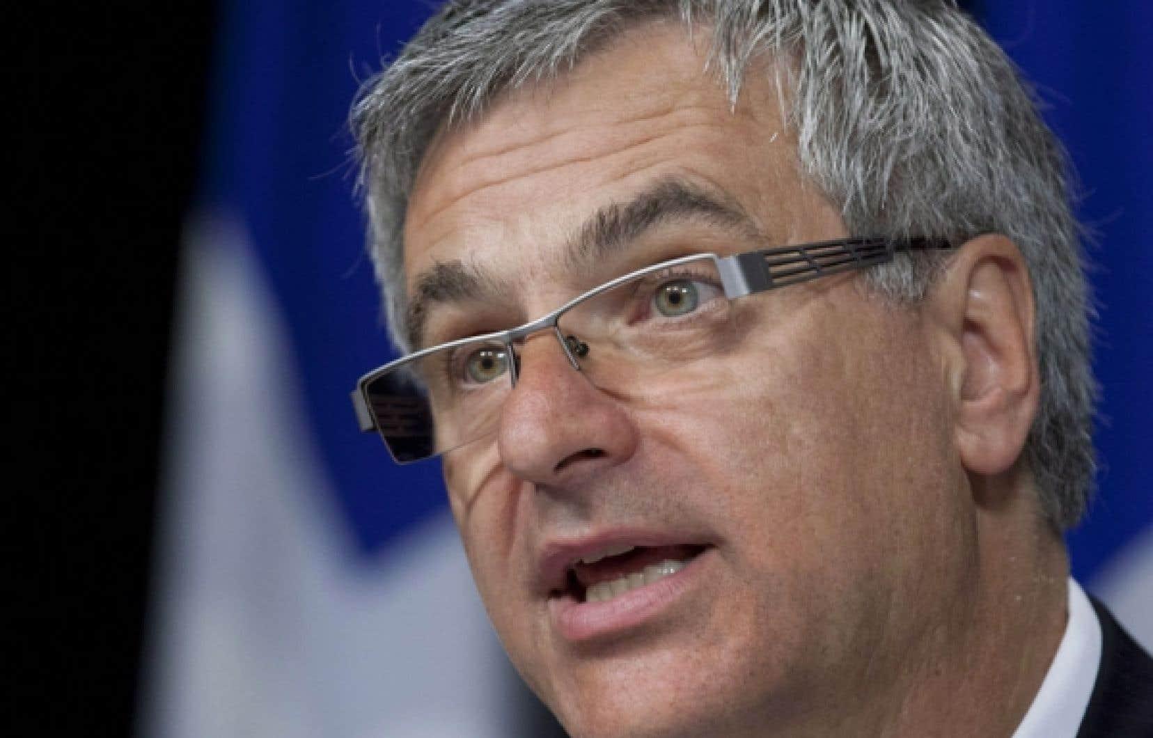 La loi, qui a été annoncée par le ministre de la Justice, Jean-Marc Fournier, hier à Montréal, vise à contrôler la prolifération de pseudo-psychothérapeutes utilisant les techniques les plus diverses, de celle des chakras à la mort en conscience.