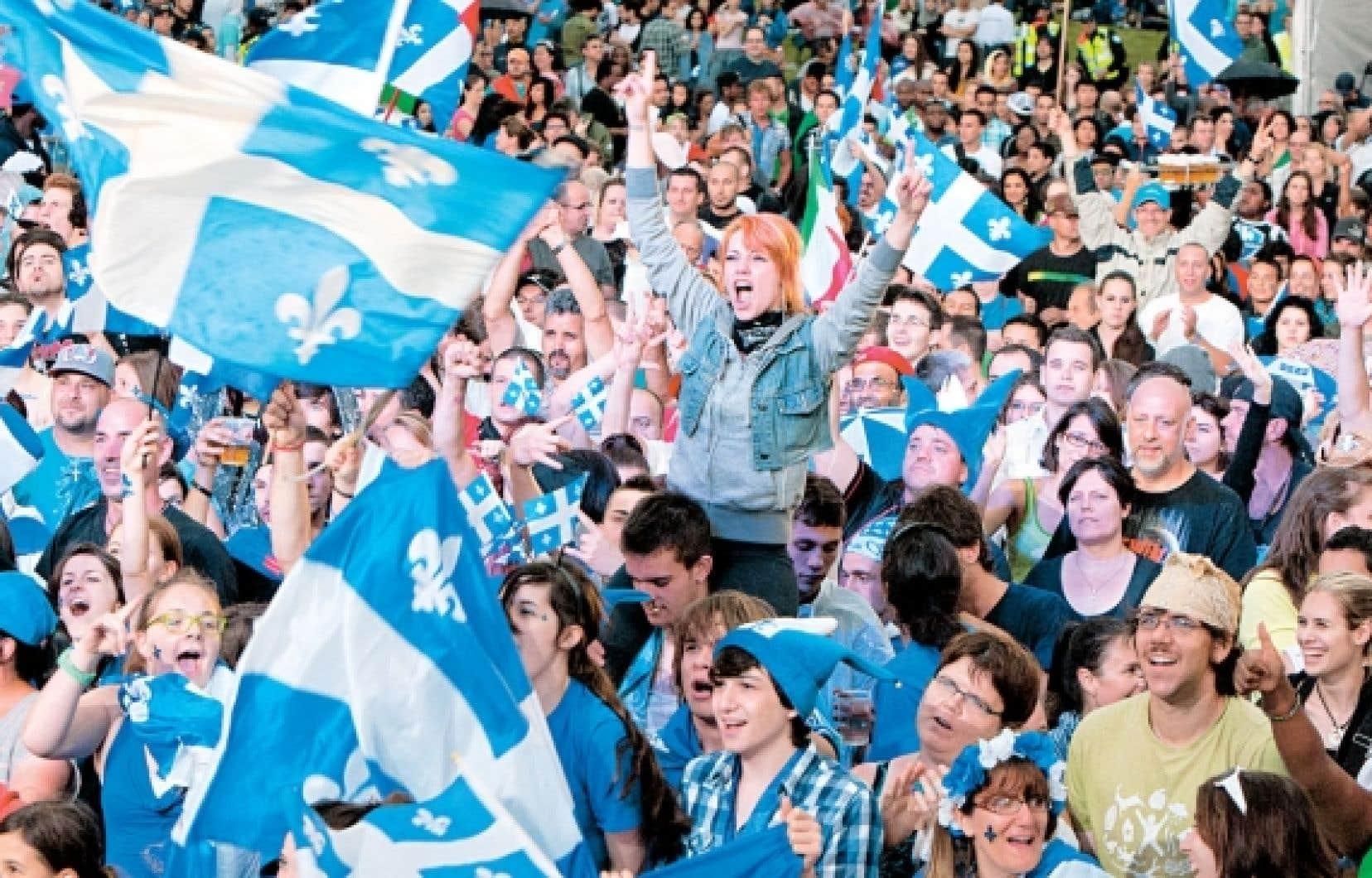 La Fête nationale, c'est voir bleu et blanc, entendre « Bonne Saint-Jean ! » dans les conversations et passer une journée en français.