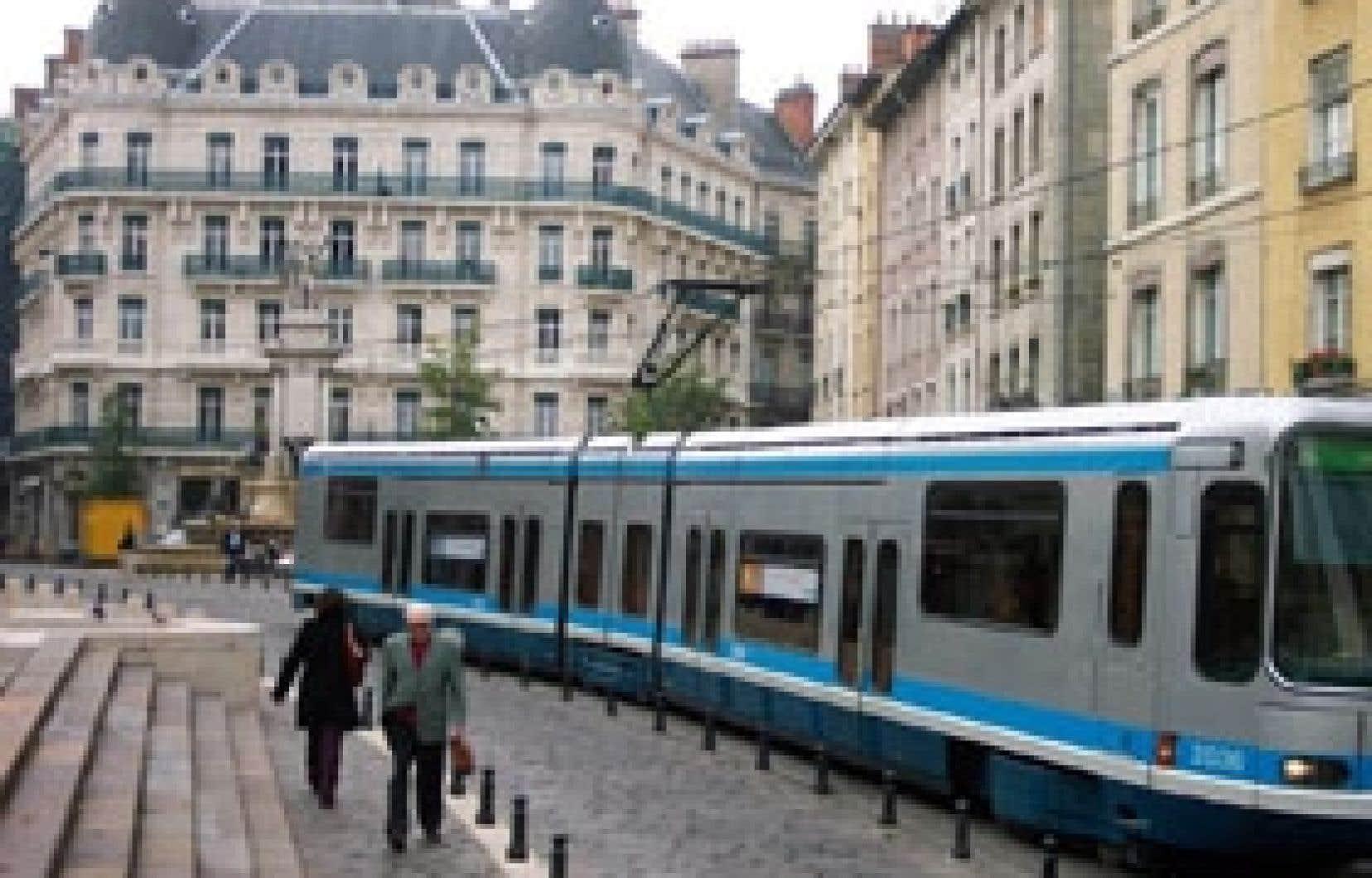 Grenoble et son nouveau tramway. Source: AMT Grenoble