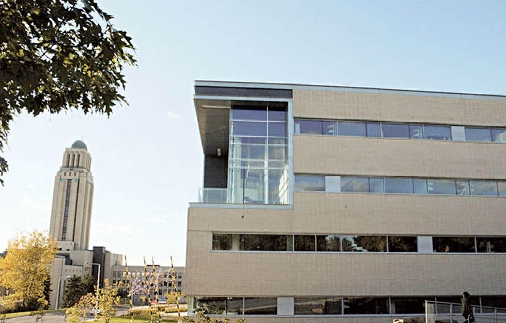 L'Agence universitaire de la francophonie est un réseau mondial d'enseignement supérieur dont le siège est à l'Université de Montréal.