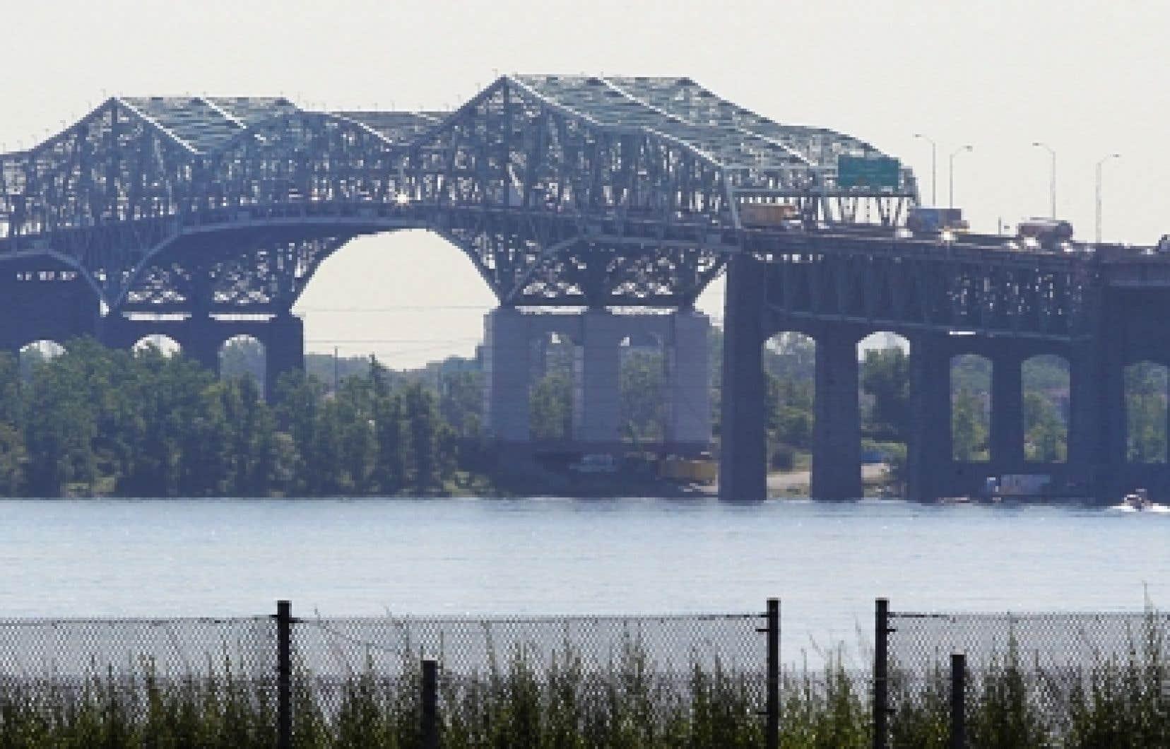 Des consultations publiques liées à l'évaluation environnementale du projet de remplacement du pont Champlain auront lieu cet automne.