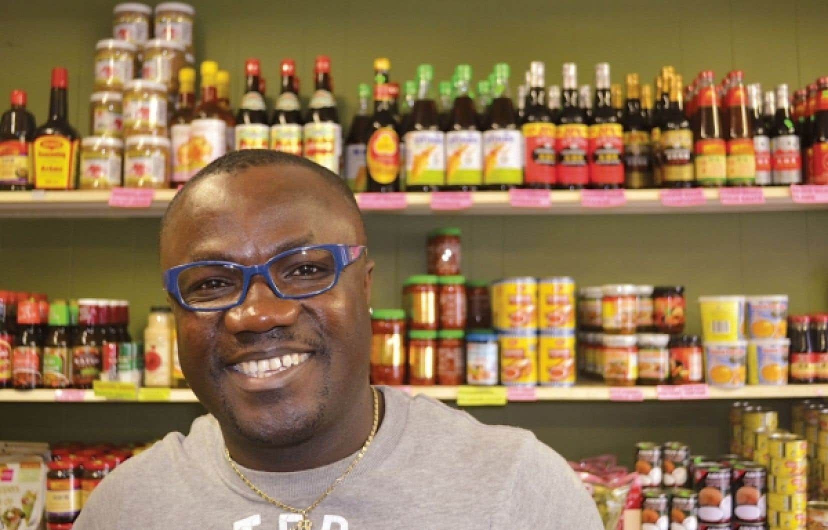Jean-Baptiste Gouaméné, originaire de la Côte d'Ivoire, est aujourd'hui propriétaire d'une épicerie de produits exotiques à Rimouski.