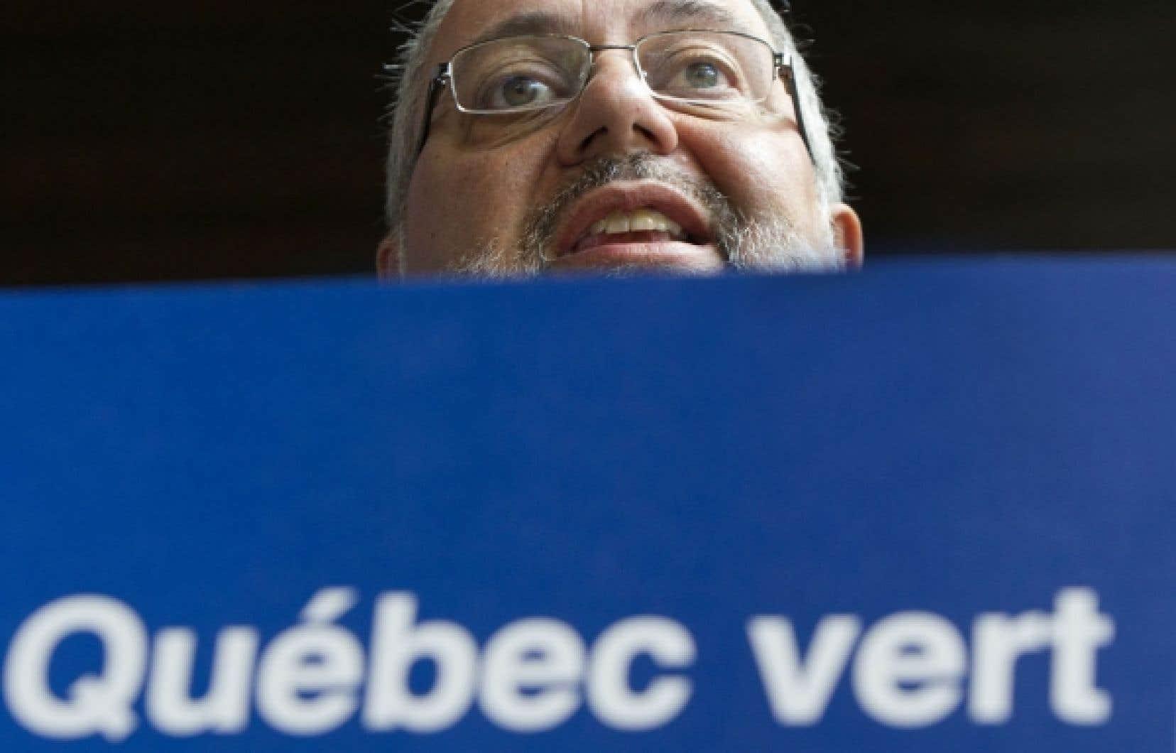 Le ministre Pierre Arcand a annoncé hier de nouveaux programmes de récupération.