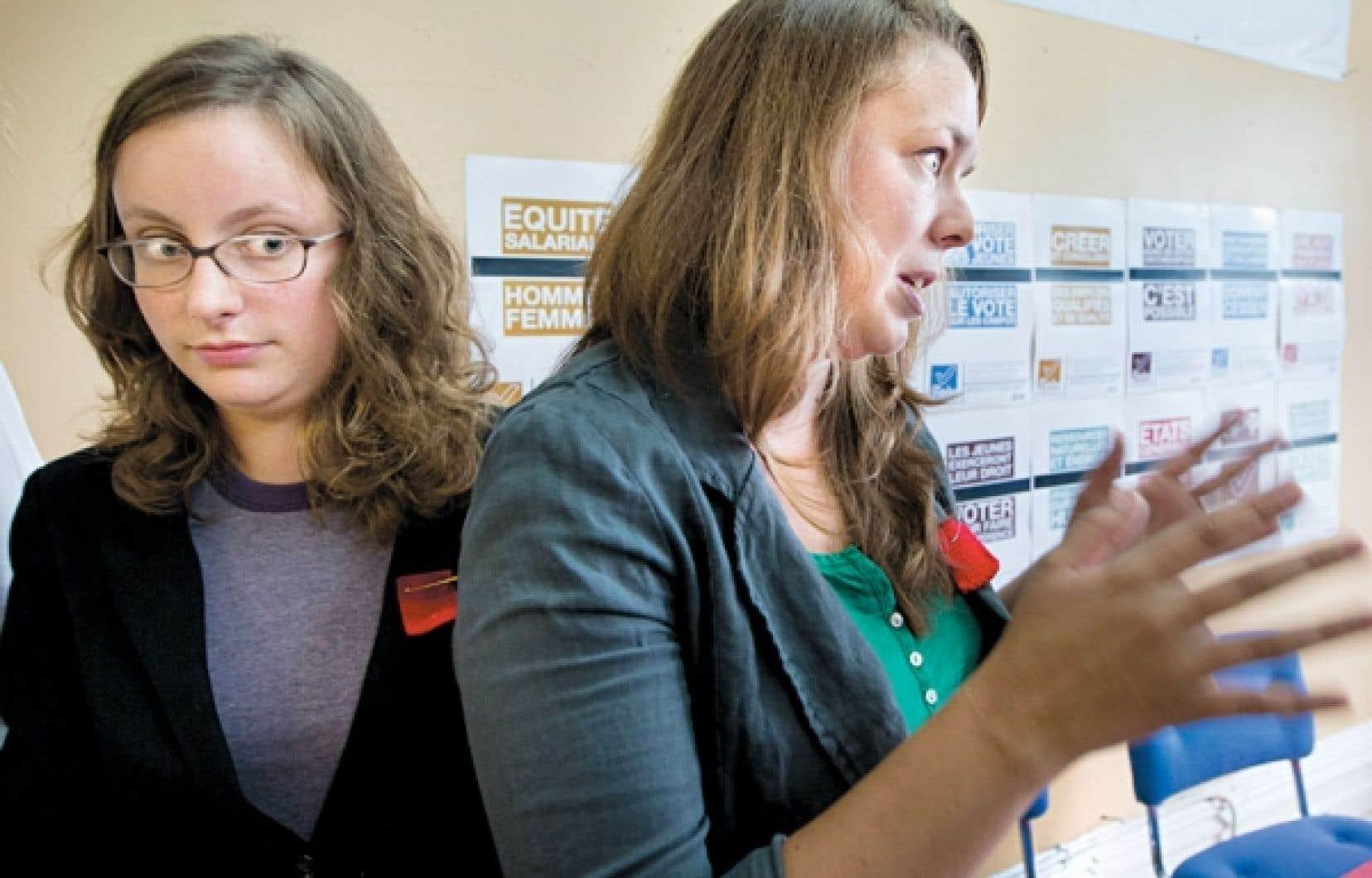 Éliane Laberge, de la FECQ, et Martine Desjardins, de la FEUQ, rencontraient les médias hier pour faire le point sur les activités étudiantes en vue des élections.