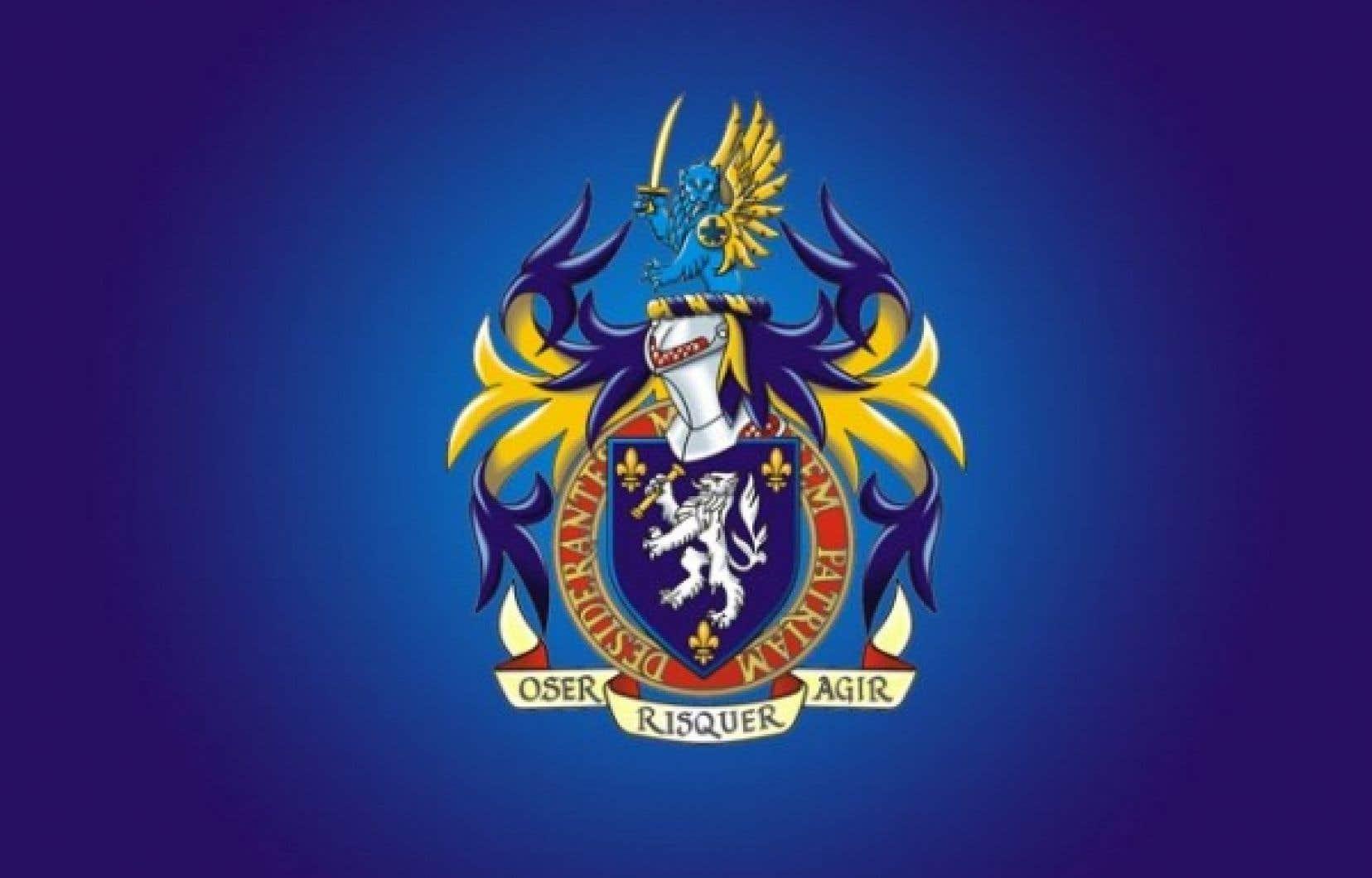 Les armoiries de M. Duchesneau prennent l'allure d'un lion bleu ailé et armé d'une épée dorée. Le lion porte sur l'épaule l'insigne du Service de police de la Vile de Montréal. Il surplombe le heaume d'un chevalier dont le blason est orné d'un lion blanc tenant dans ses griffes un parchemin.