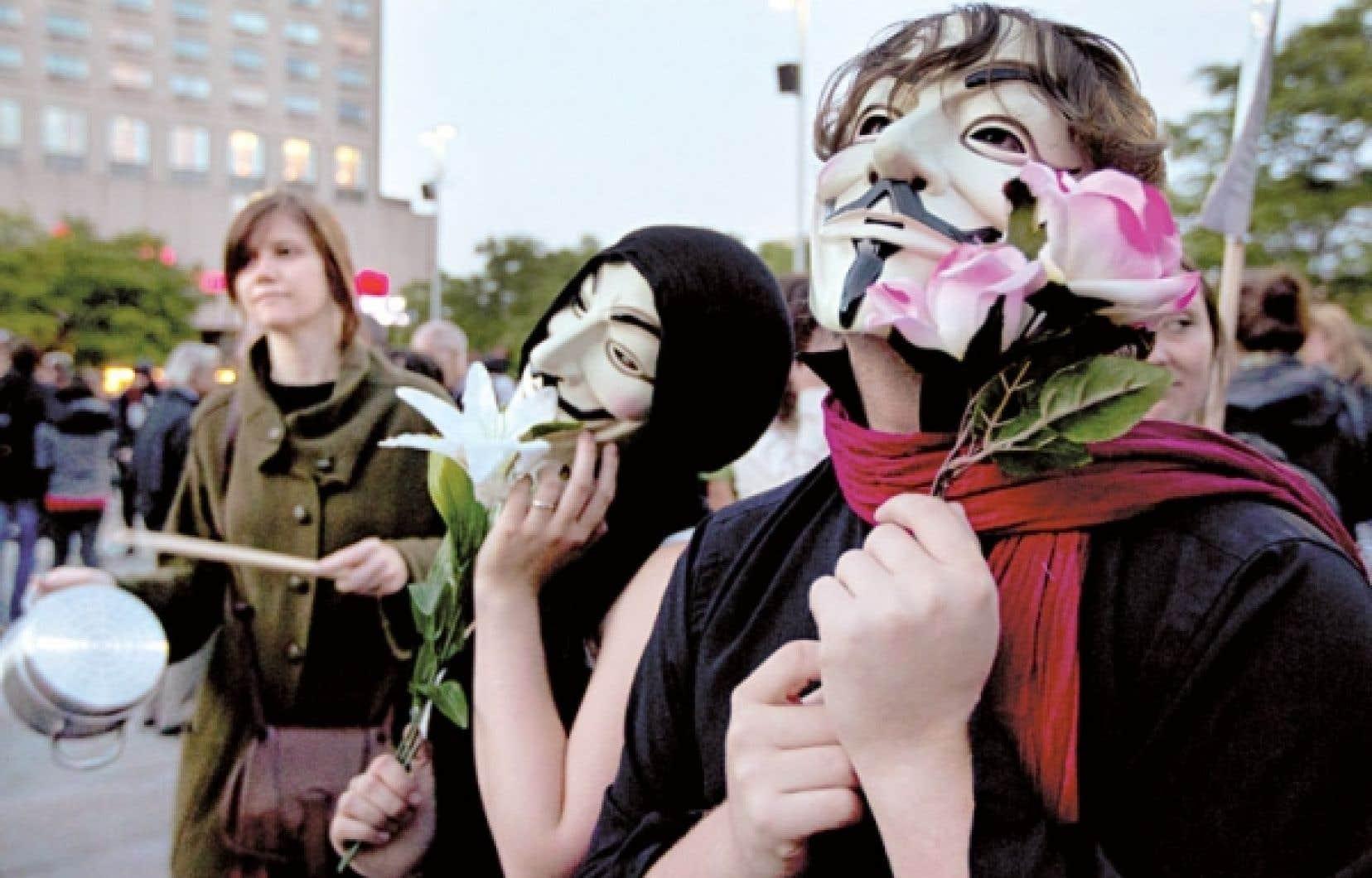 Manifestants à Montréal, à la fin mai.