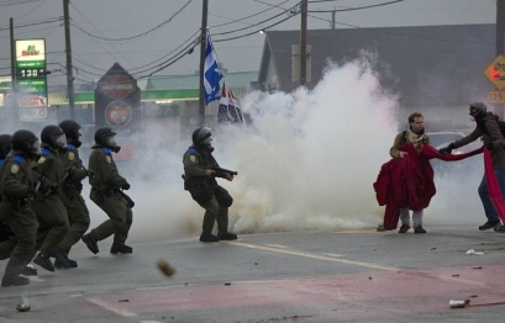 En mai dernier, à Victoriaville, trois manifestants avaient été gravement blessés en marge du conseil général du PLQ.<br />
