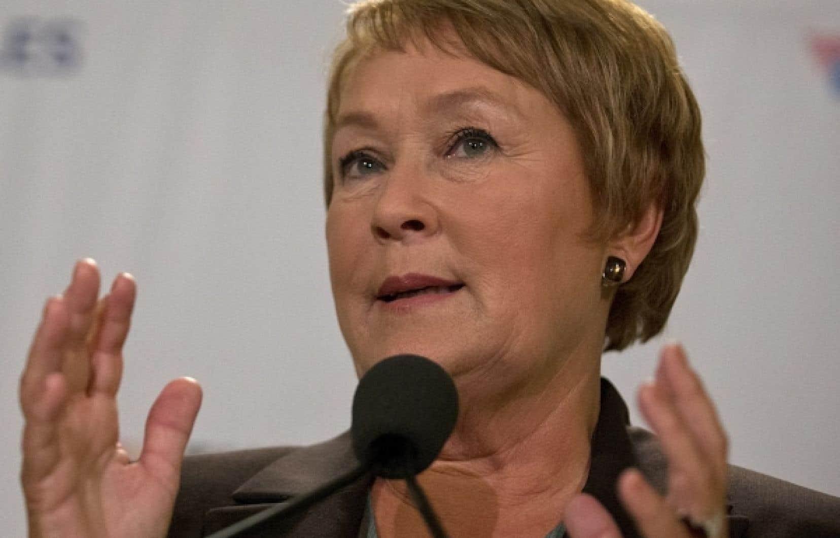Le dernier sondage de Léger Marketing, paru samedi dans les journaux de Quebecor, place le PQ à un cheveu d'une majorité. Les libéraux ne récoltent plus que 18 % des intentions de vote chez les francophones.