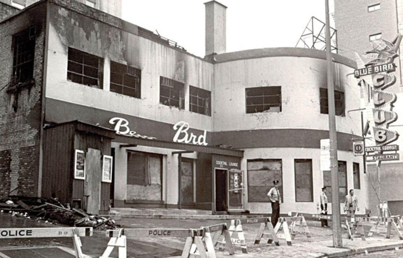 <div> 1er septembre 1972, 37 personnes trouvent la mort dans l'inccendie d'origine criminelle du Ble Bird Café.</div>